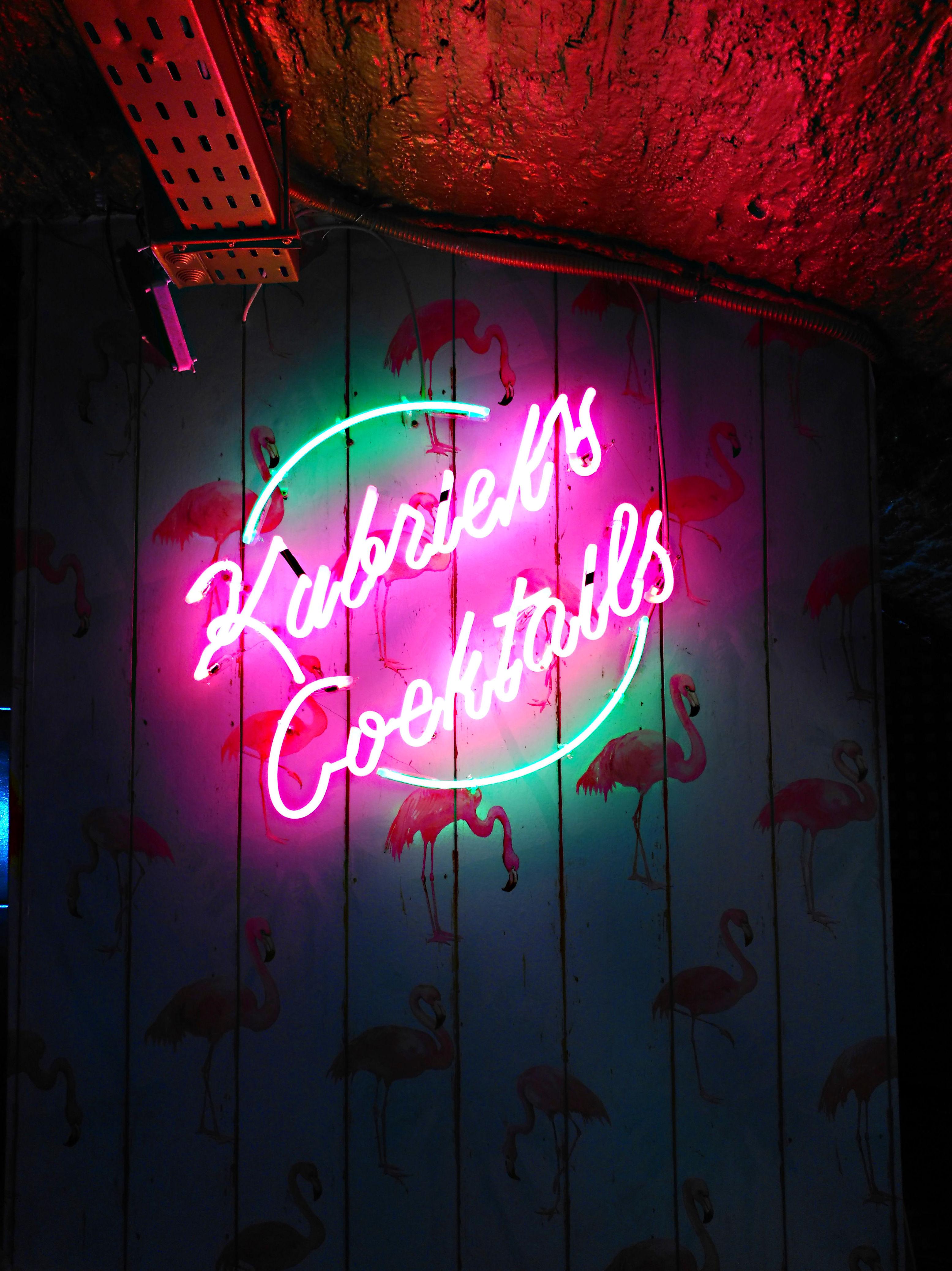 Neón en Madrid para nueva discoteca en chueca