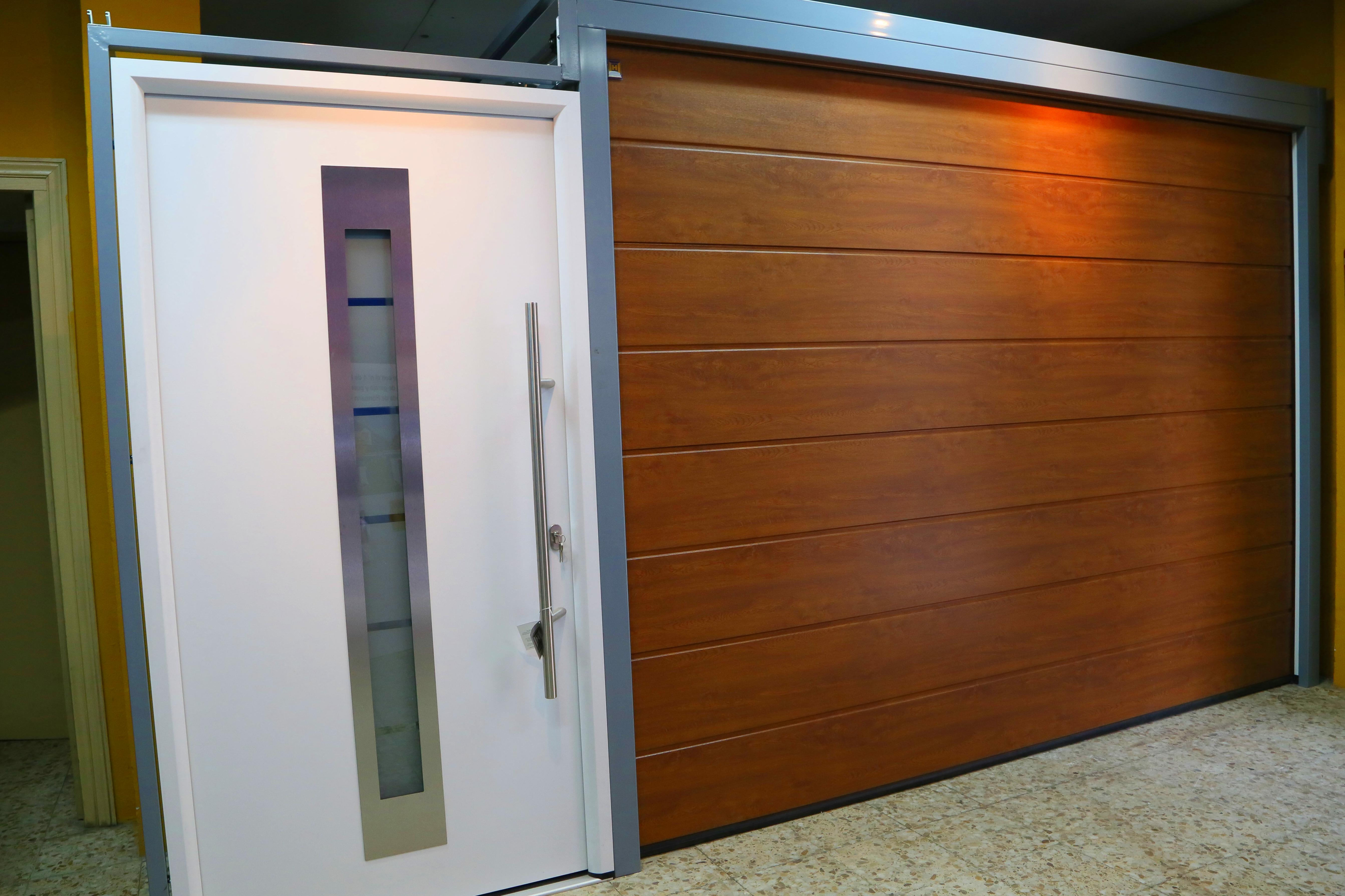 Foto 3 de Puertas automáticas y accesorios en Guadalajara | Puertas J y P