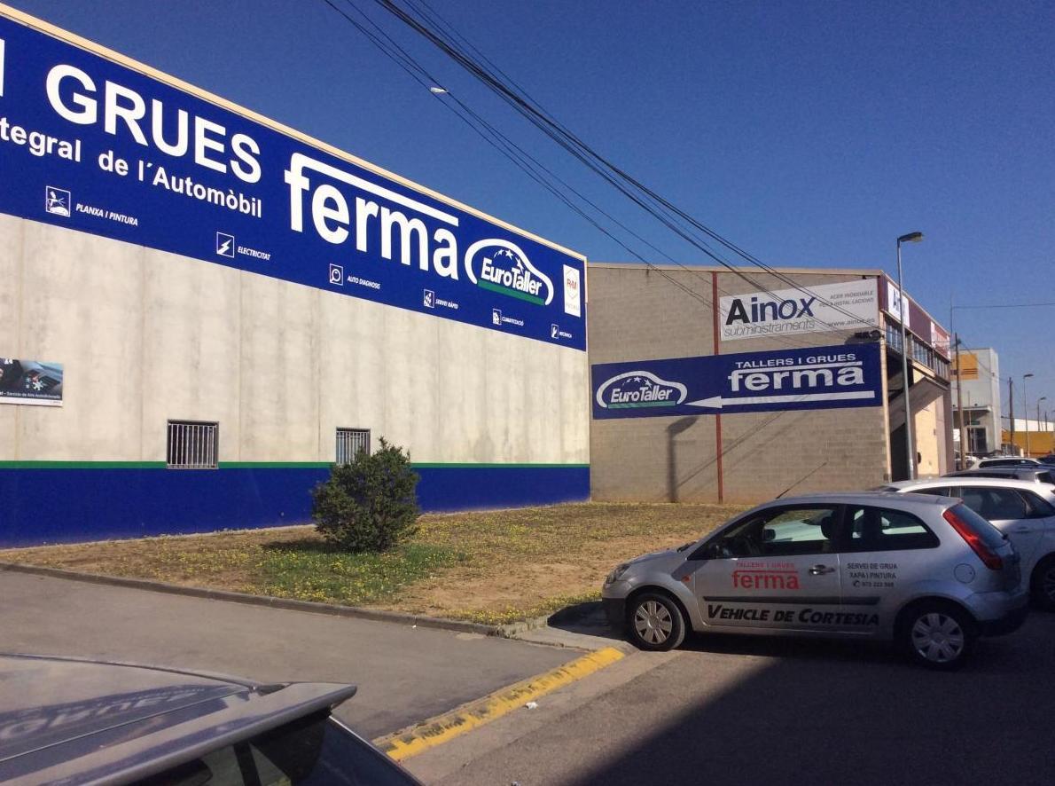 Foto 2 de Grúas para vehículos en Torrefarrera   Talleres y Grúas Ferma