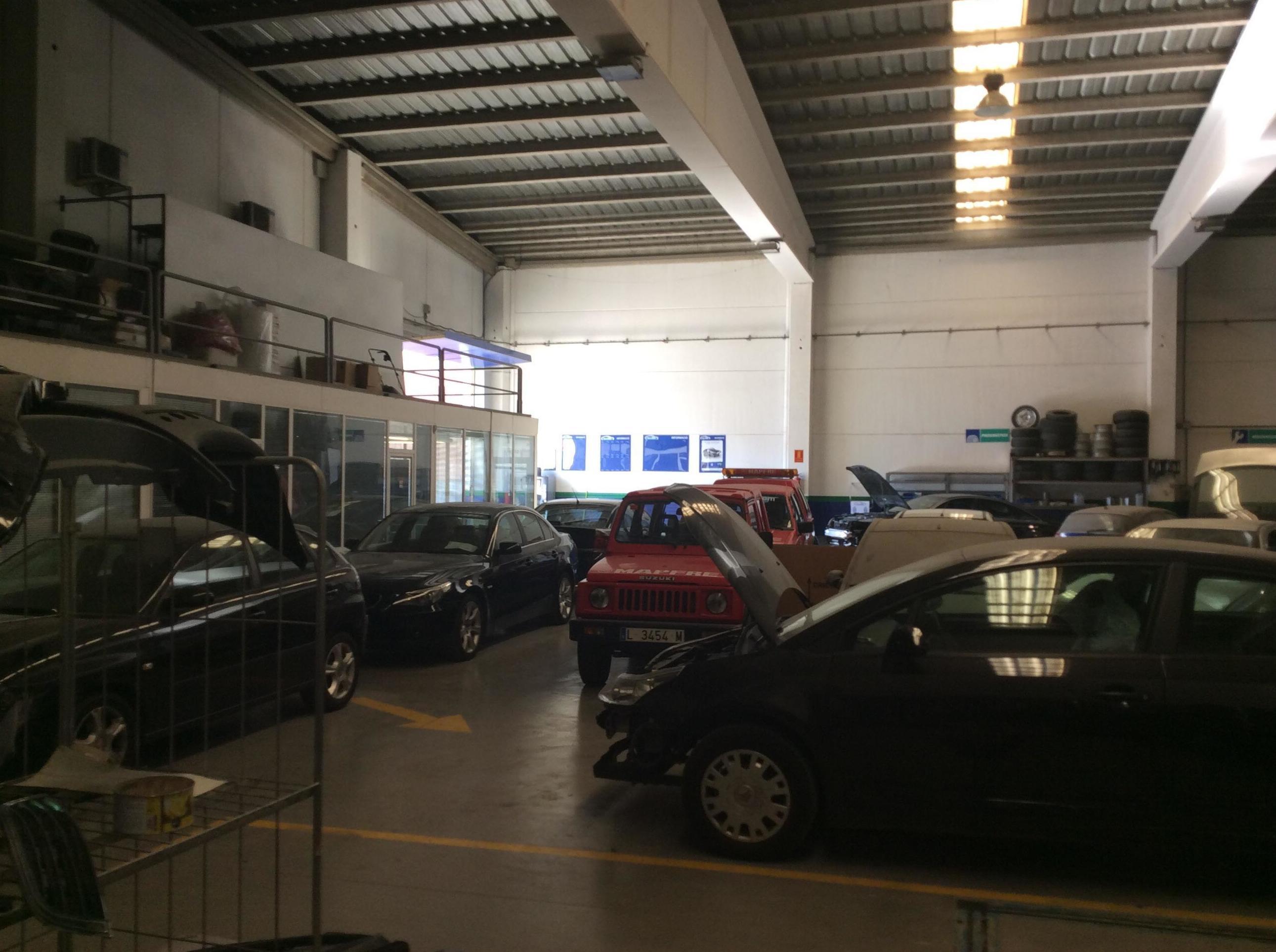 Foto 3 de Grúas para vehículos en Torrefarrera | Talleres y Grúas Ferma