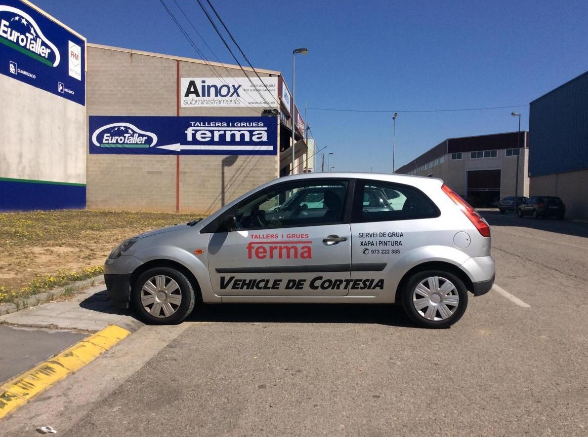 Foto 1 de Grúas para vehículos en Torrefarrera | Talleres y Grúas Ferma