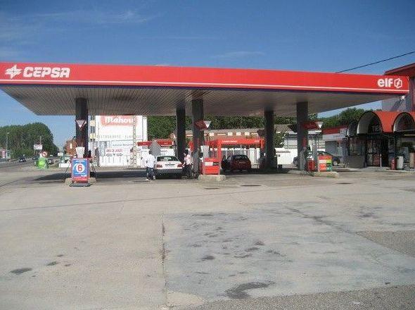 Gasolinera en Hospital de Órbigo