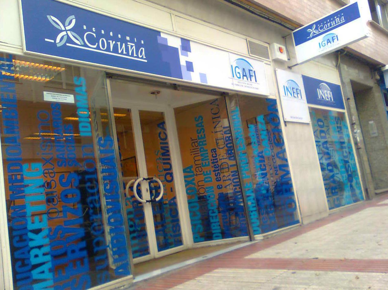 Foto 2 de Academias de Primaria, ESO y Bachillerato en A Coruña | ACADEMIA CORUÑA