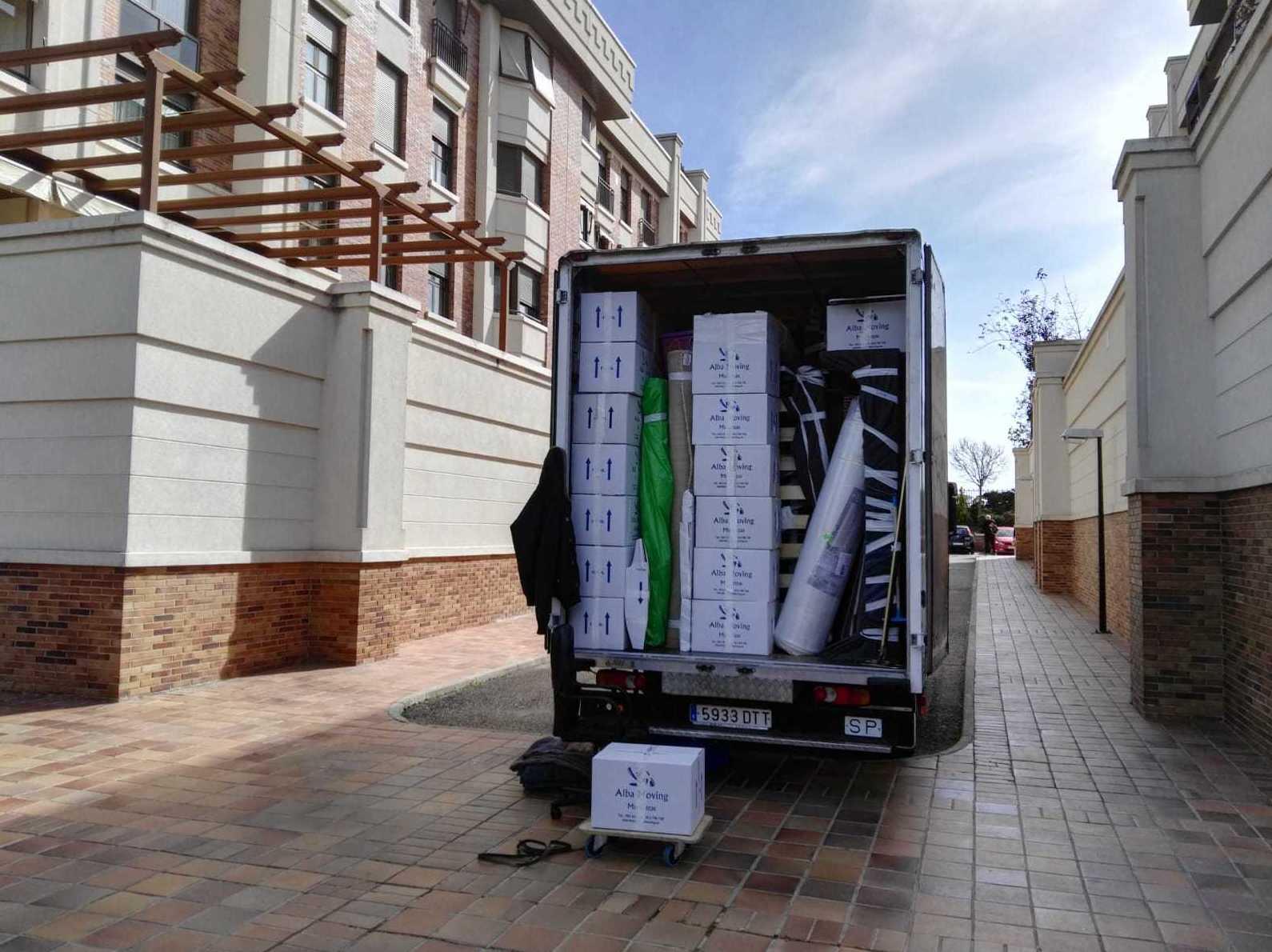 Foto 11 de Mudanzas y guardamuebles en  | Alba Moving Mudanzas y Guardamuebles