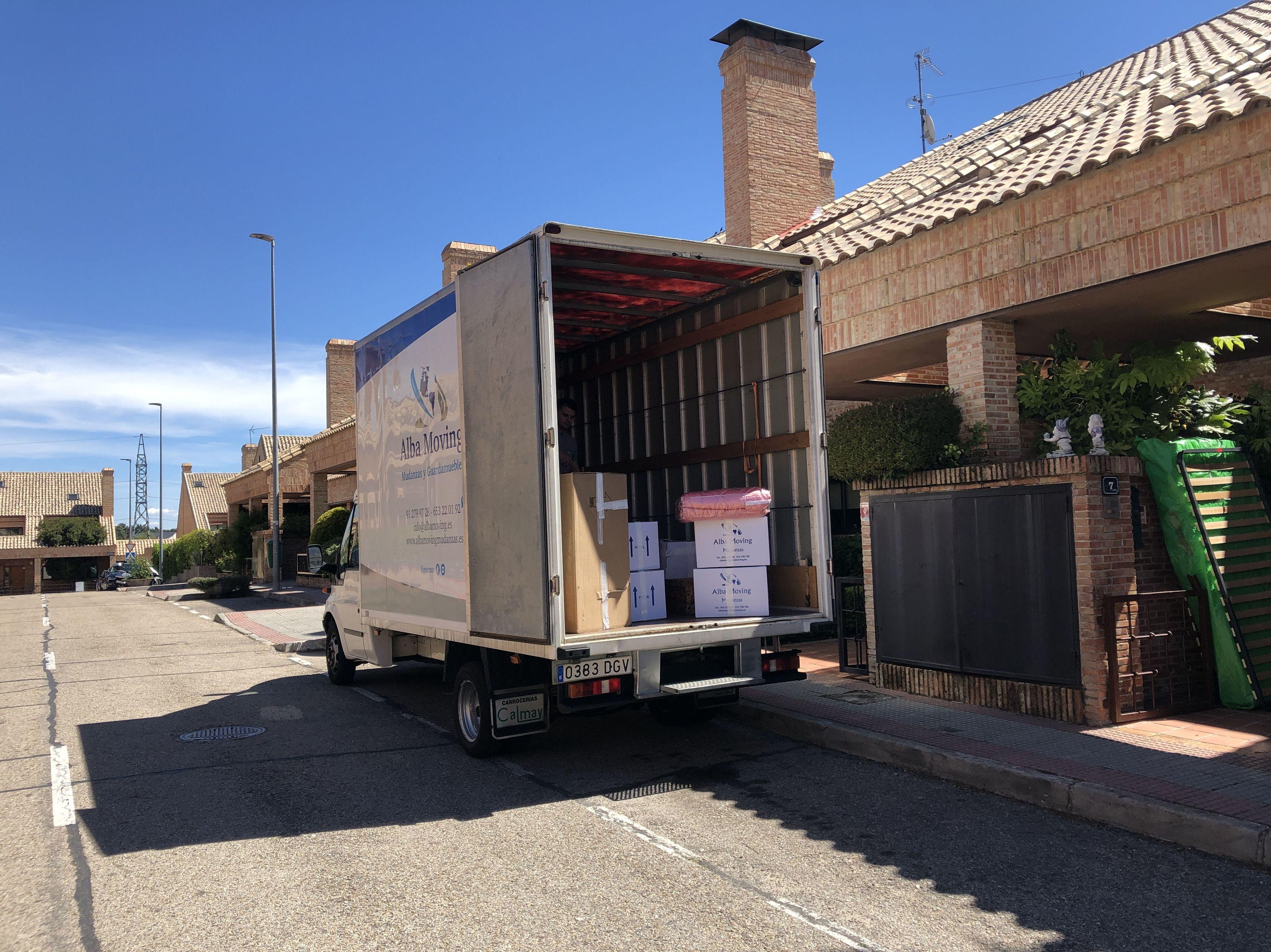 Foto 1 de Mudanzas y guardamuebles en  | Alba Moving Mudanzas y Guardamuebles