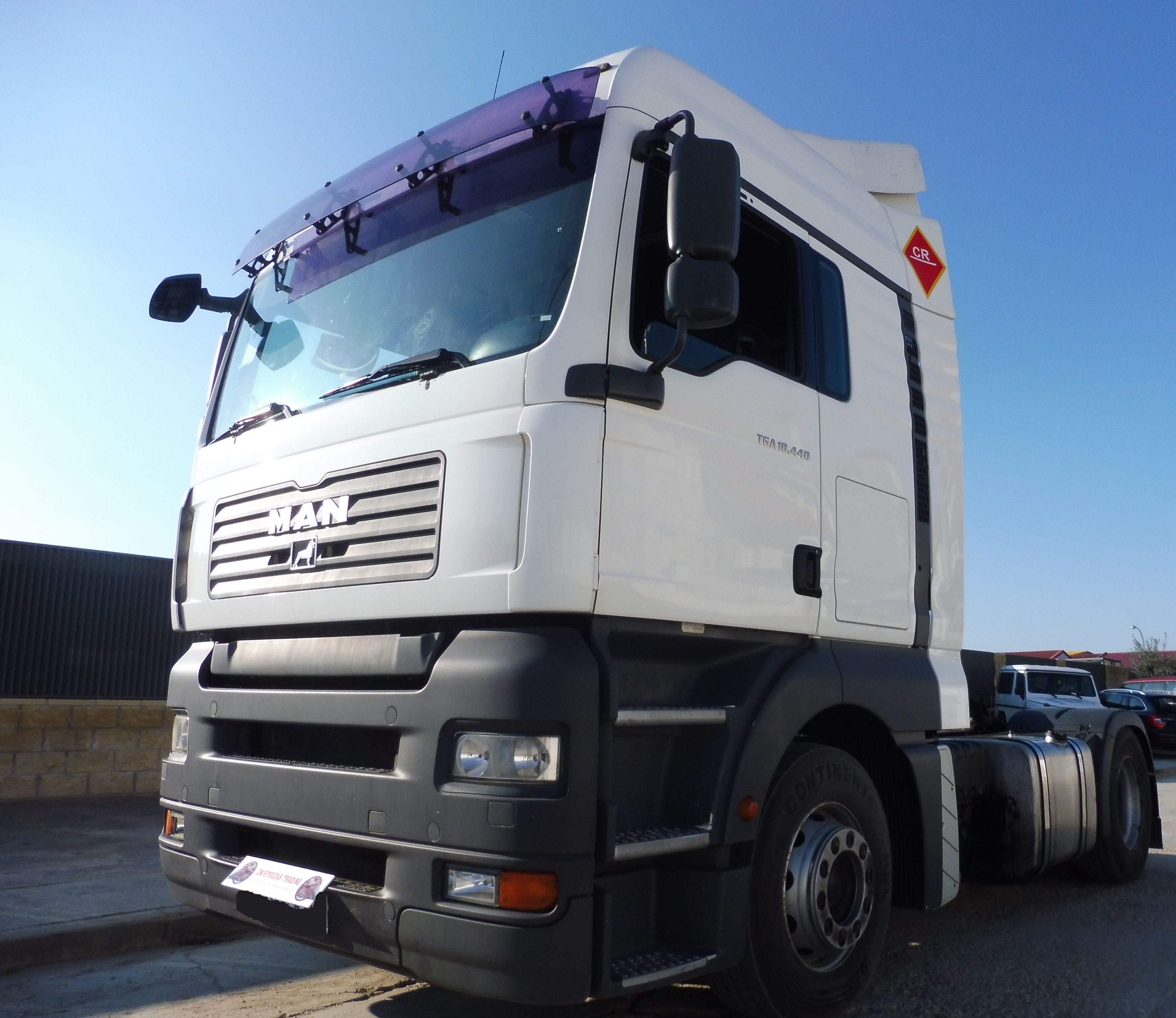MAN TGA 18.440: Vehículos industriales de Emirtrucks Trading