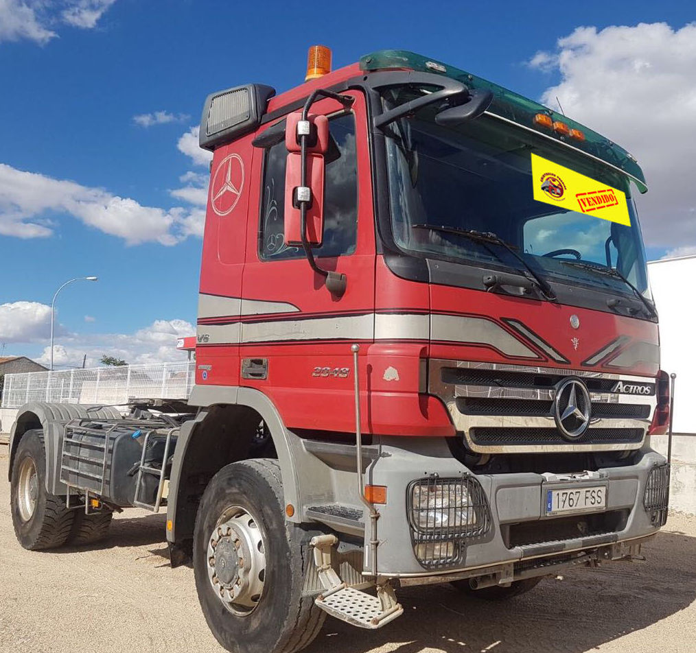 MERCEDES BENZ 2048 AS -- VENDIDO: Vehículos industriales de Emirtrucks Trading