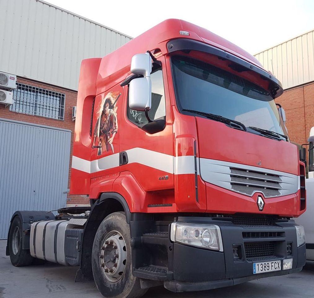 RENAULT PREMIUM 440 DXI: Vehículos industriales de Emirtrucks Trading
