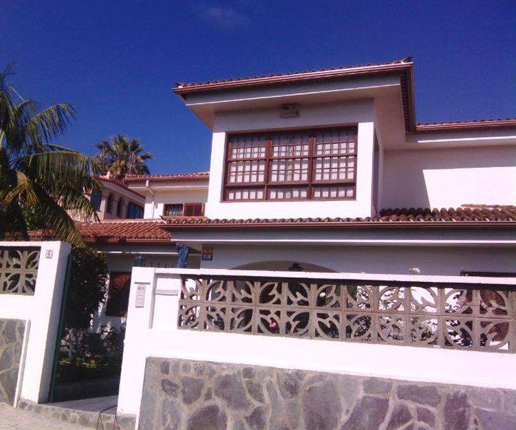 Instalación de canalones de aluminio en Tenerife