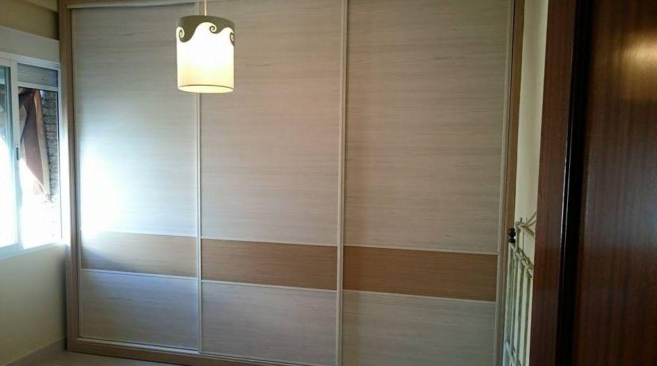 Espacios a tu medida, armario modular puertas correderas antidescarrilamineto tres hojas.
