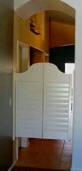 Cuenta con nuestro taller de carpinteria, fabricamos tus puertas a medida.