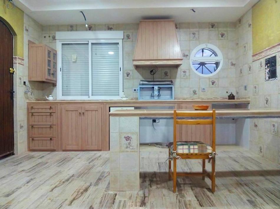 Nuestas cocinas fabricadas en nuestro taller de carpinteria.