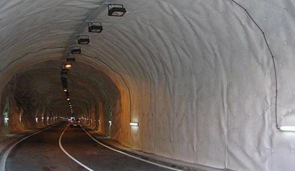 Impermeabilizacion por interior del tunel con lamina.