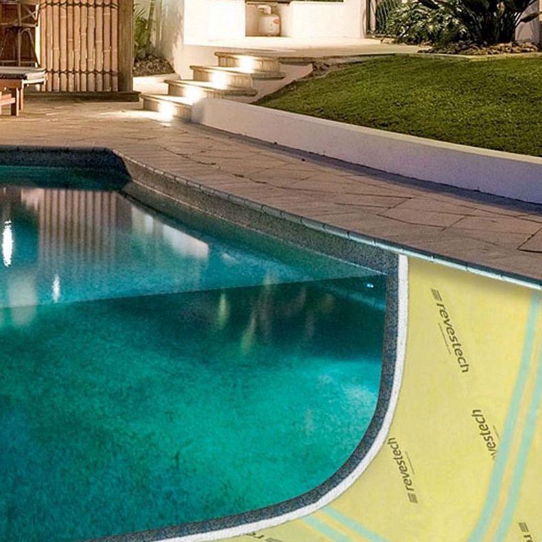 Impermeabilizacion del vaso de la piscina con lamina EVAC.