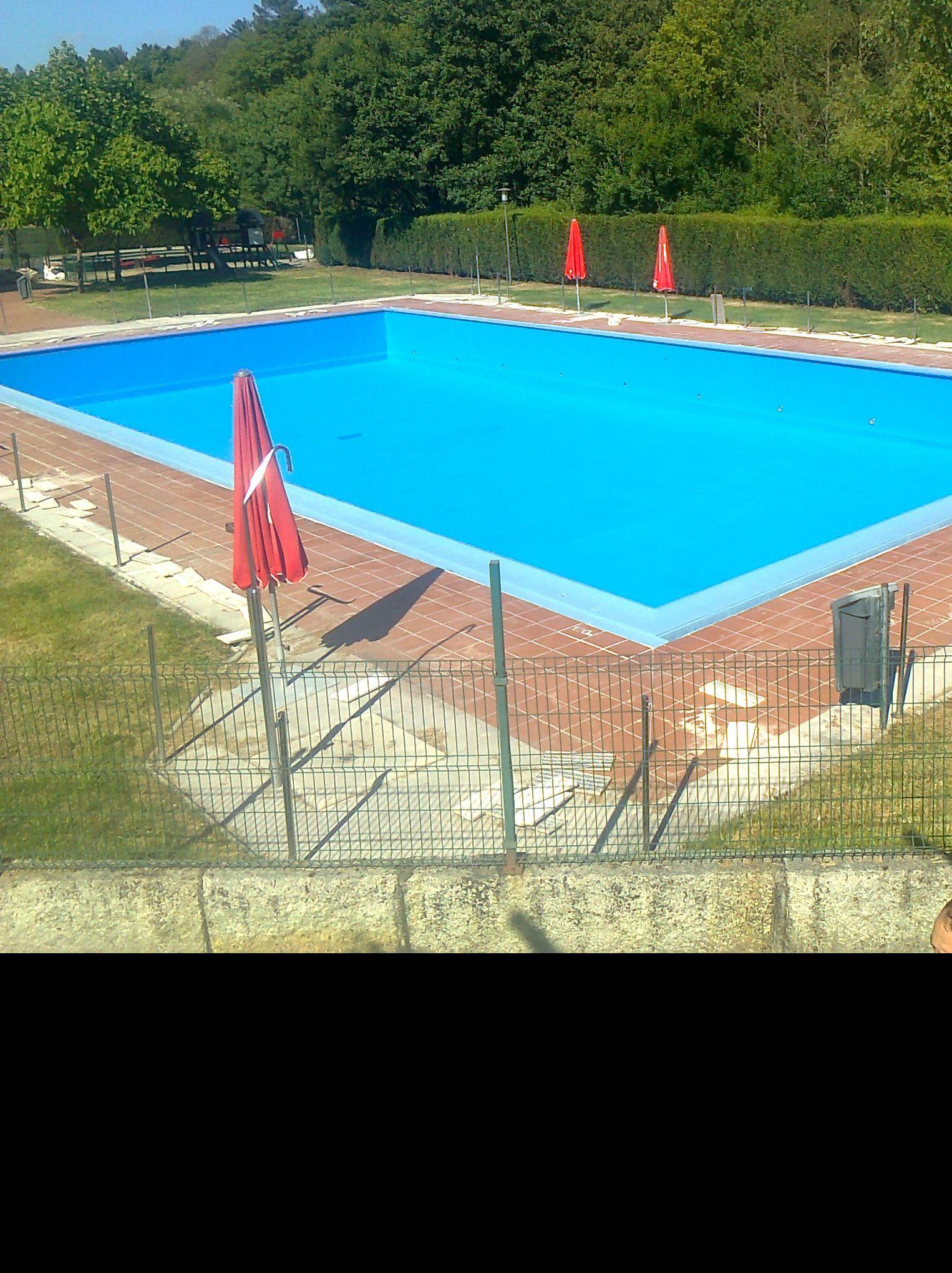 Rehabilitacion de piscina publica con Poliurea. Y retencion del hundimiento del vaso.