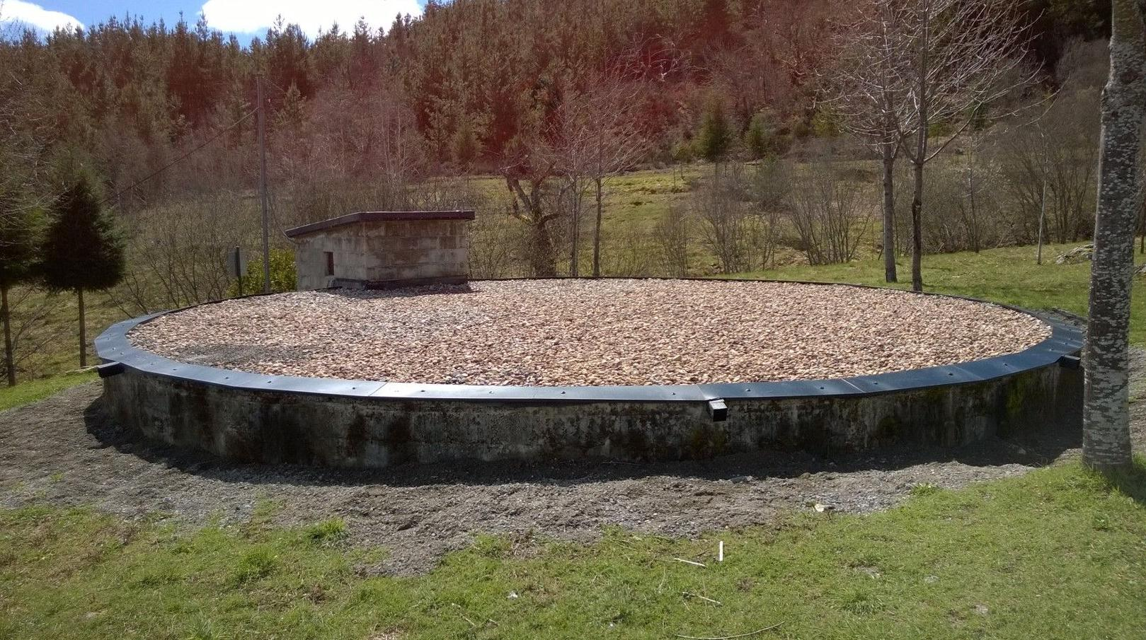 Impermeabilizacion superior deposito subterraneo y caseta,finalizado.