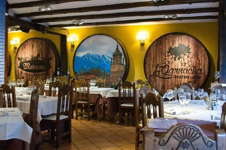 Restaurante de exquisita decoración en Zaragoza