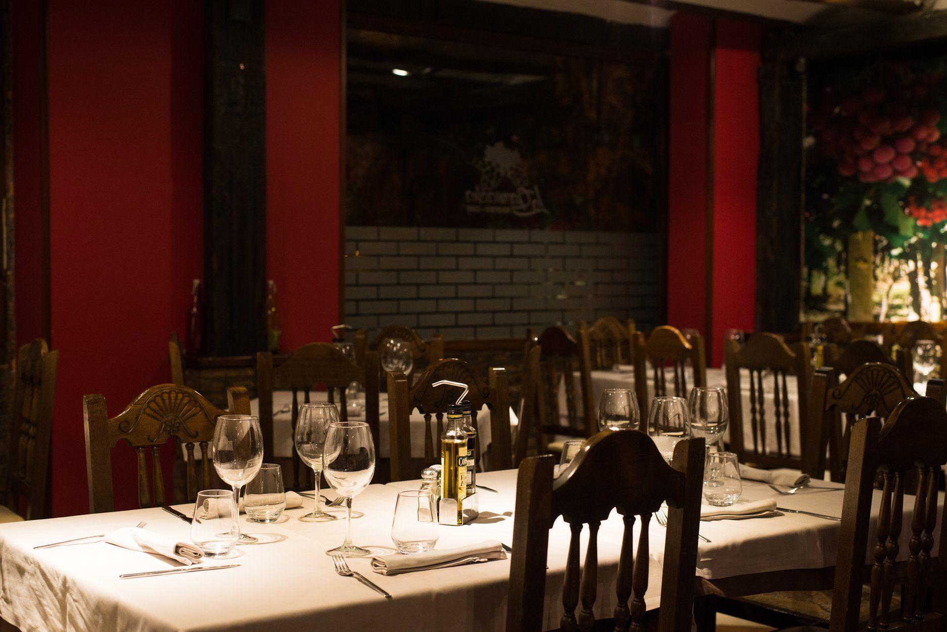 Amplio salón para celebraciones en Zaragoza