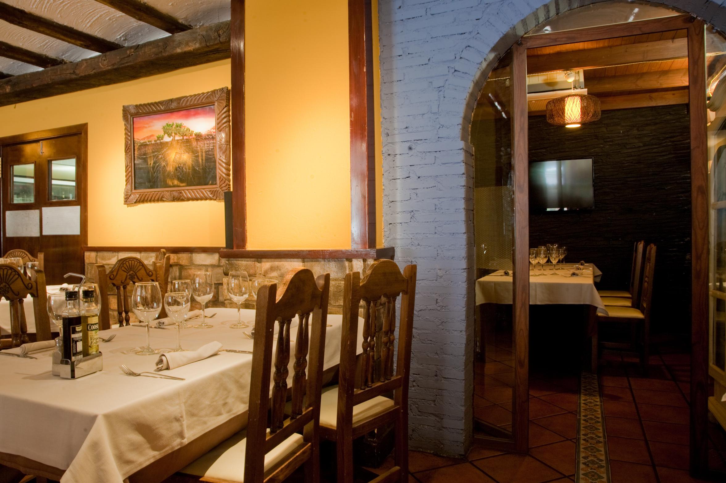 Interior de nuestro restaurante y asador en Zaragoza