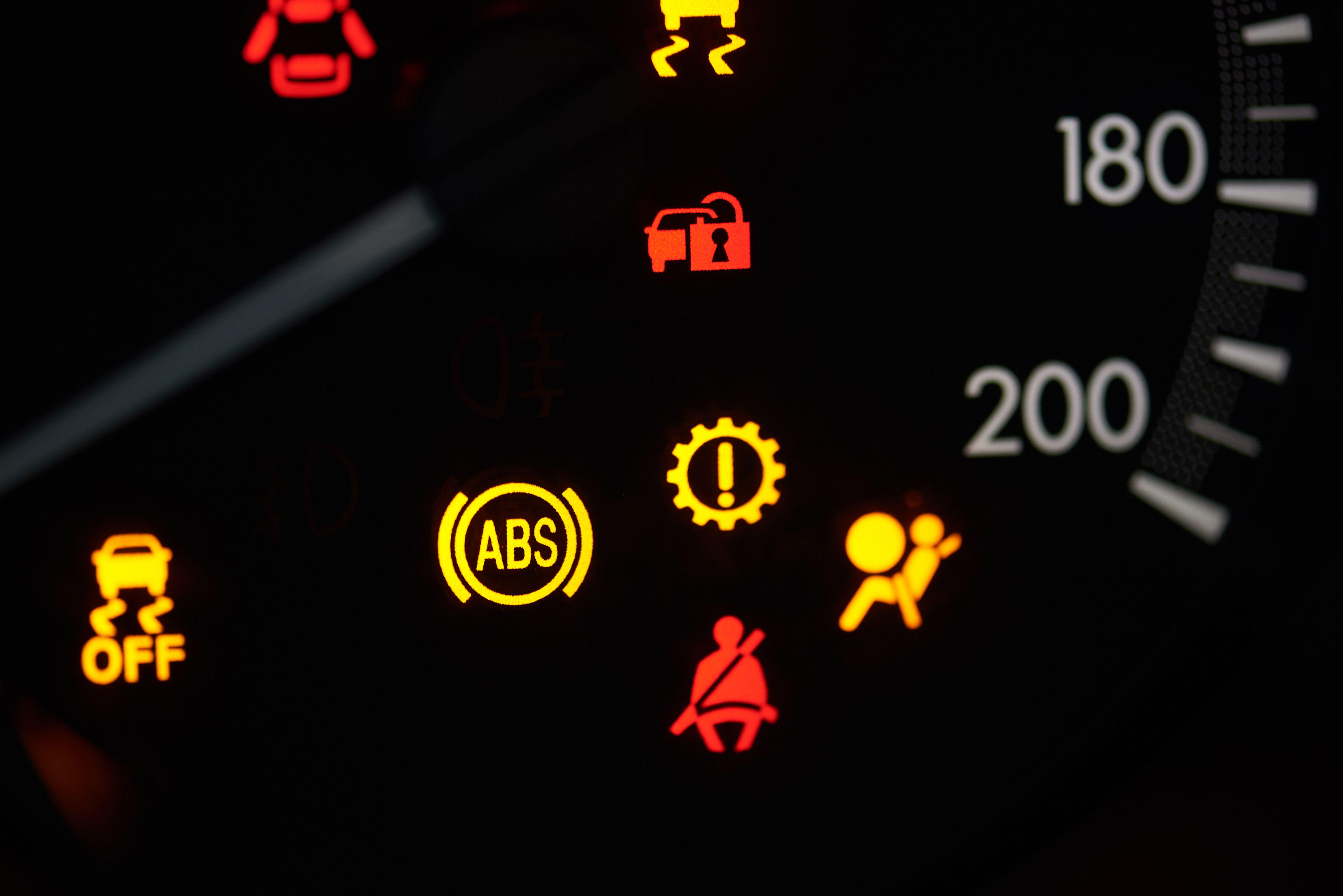 Electricidad del automóvil en Almenar