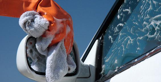 Lavado manual de coches en Valladolid