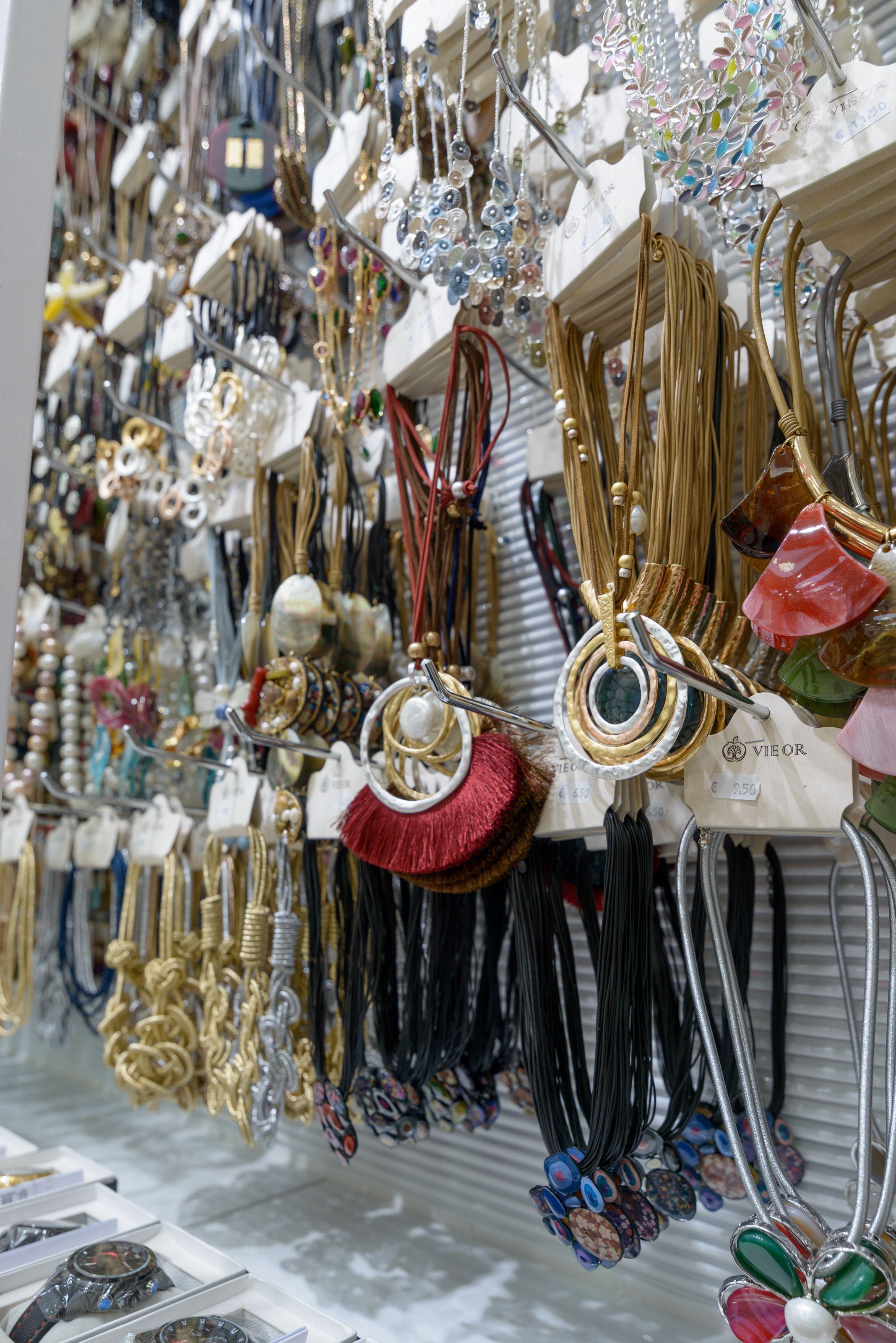 Disfruta de unos collares para cada ocasión en Torrejón de Ardoz