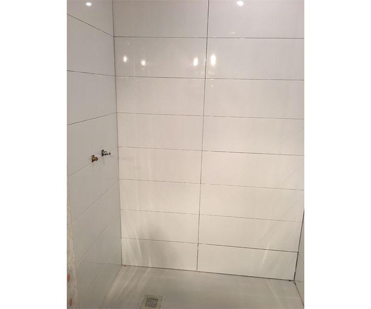 Trabajos de alicatado de baño