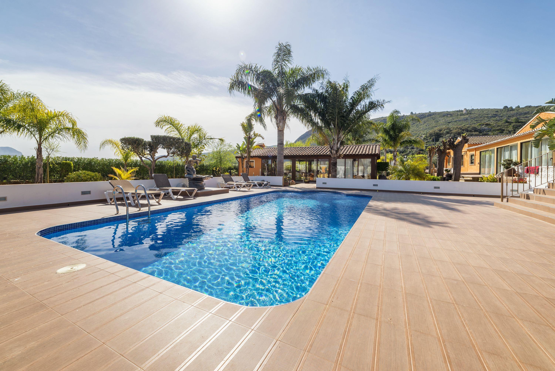 En Multiservicios DyD nos ocupamos del mantenimiento de jardines y piscinas
