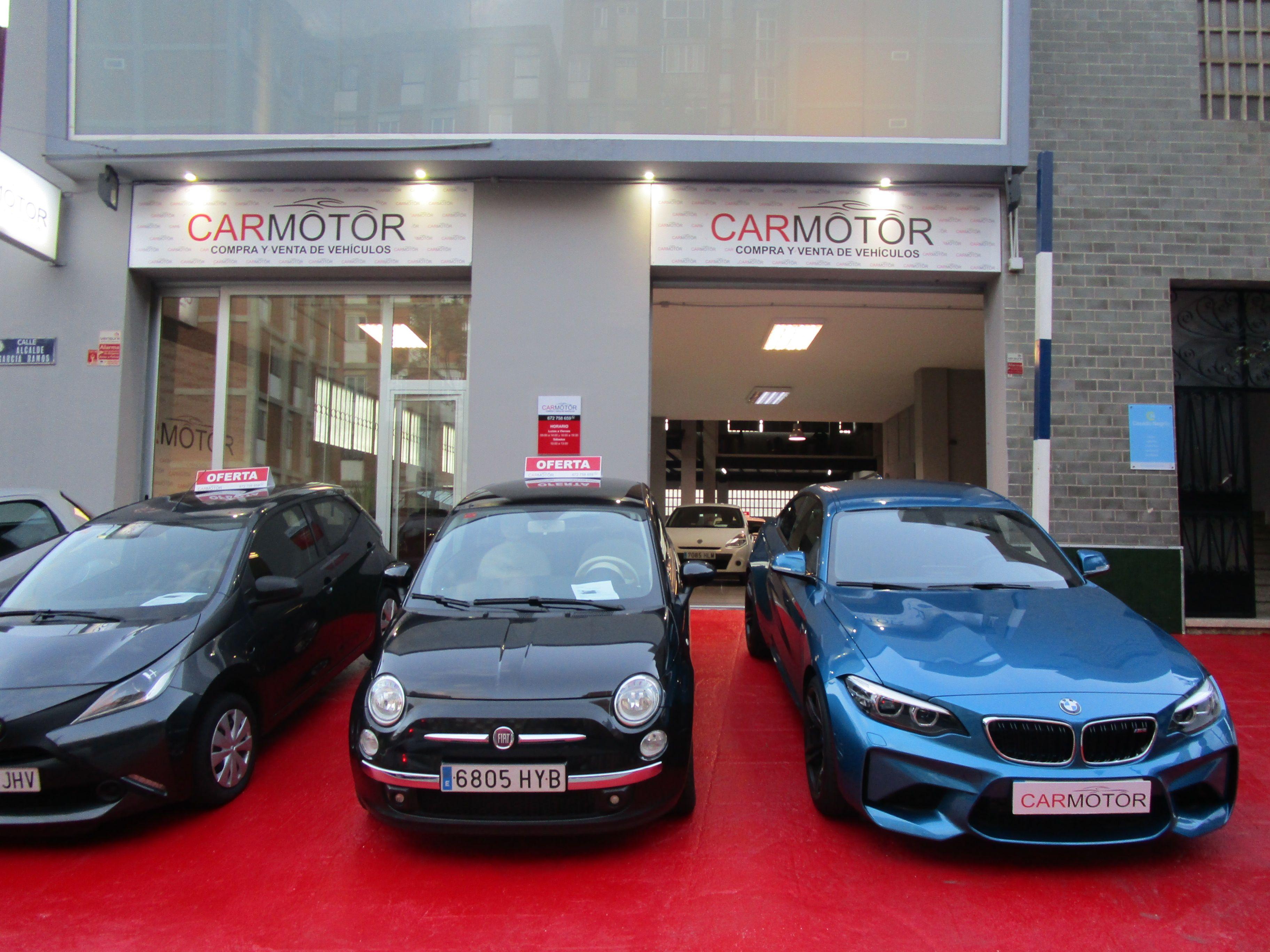 Exposición de los vehículos puestos a la venta en Carmotor