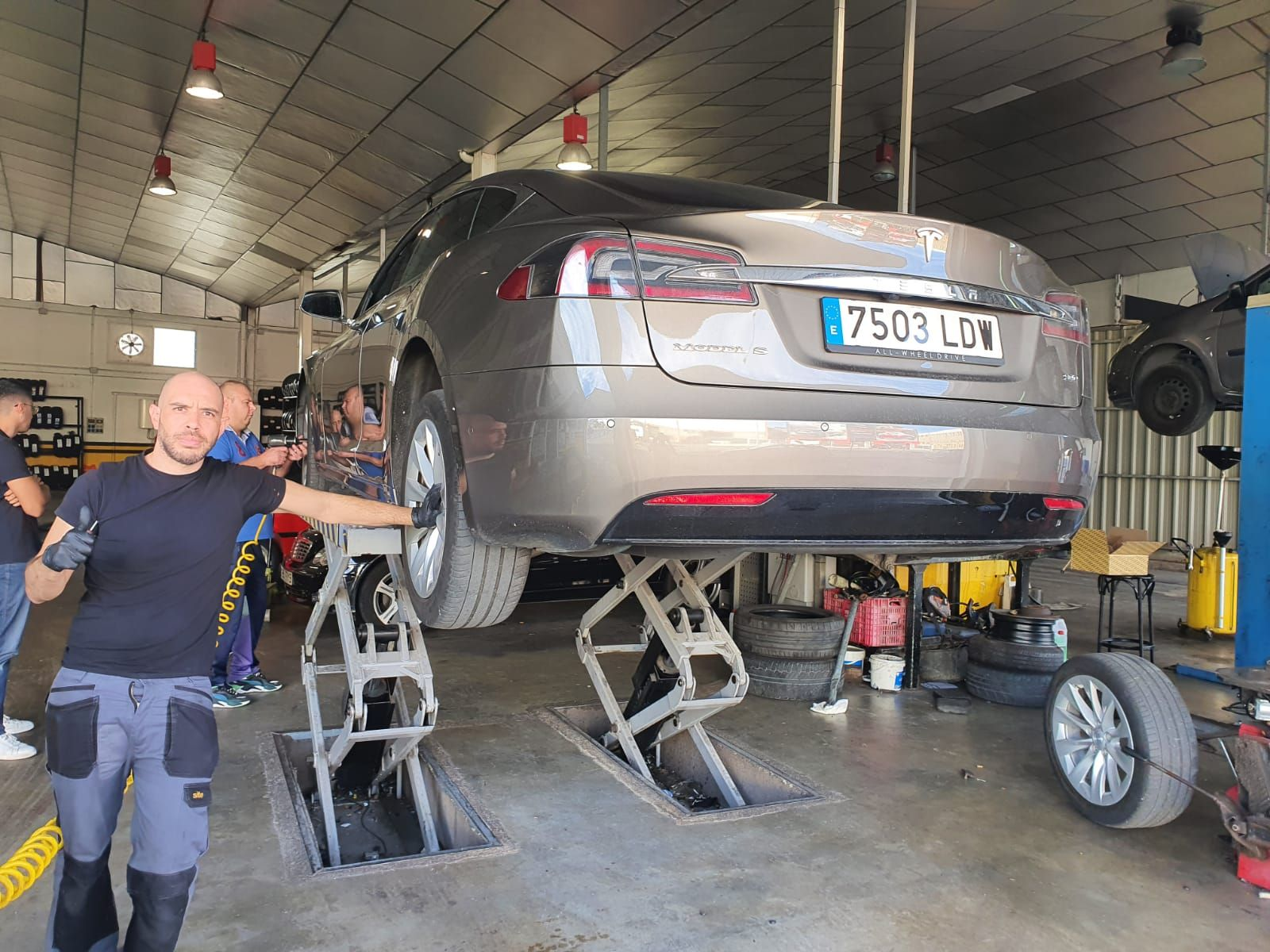Taller mecanico en Beniparrell