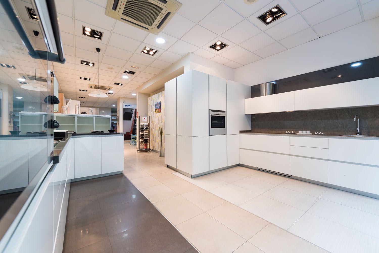 Exposición de muebles de cocina en Las Palmas