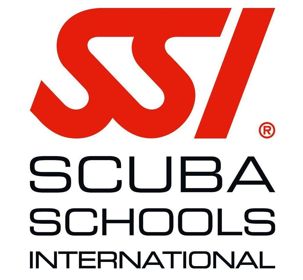 Foto 2 de Escuelas de submarinismo en Menorca | Scuba Plus