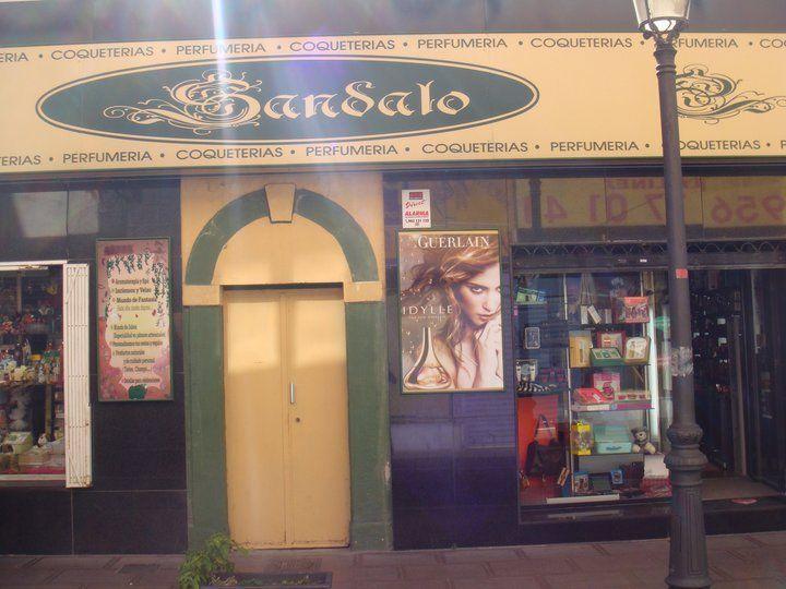 Foto 18 de Perfumería y cosmética (tiendas) en La Línea de la Concepción | Sándalo Coqueterías