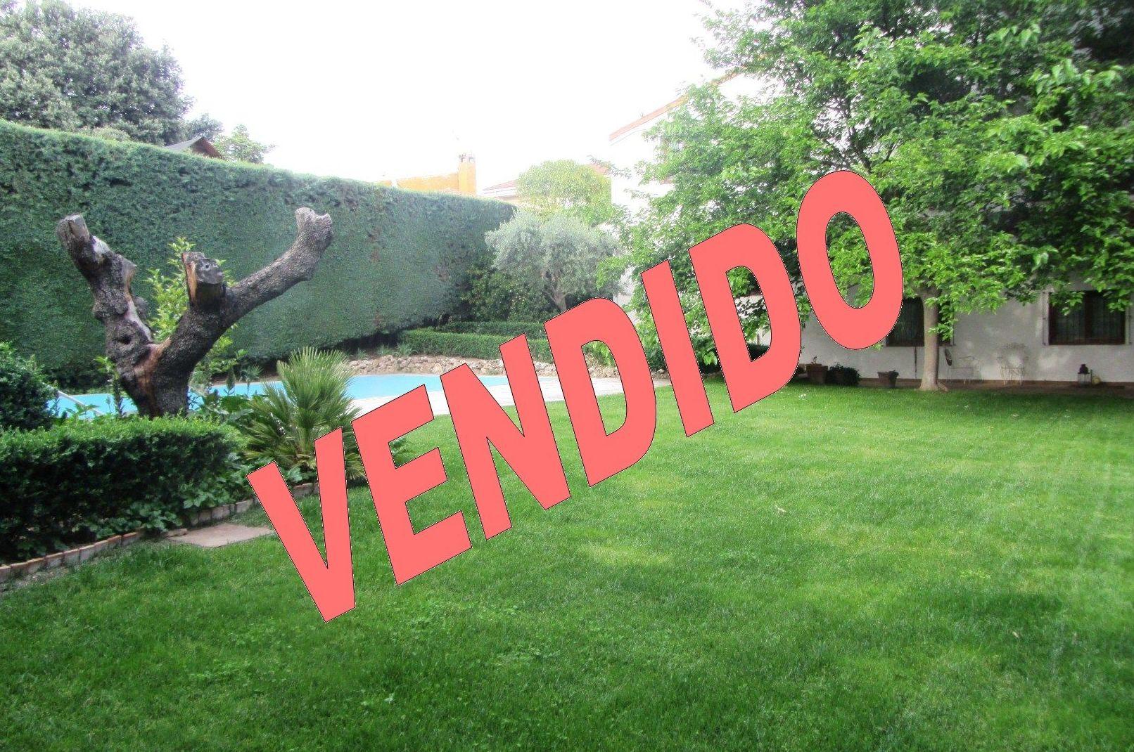 Chalet El Bosque: Servicios de Tecnocasa Villaviciosa
