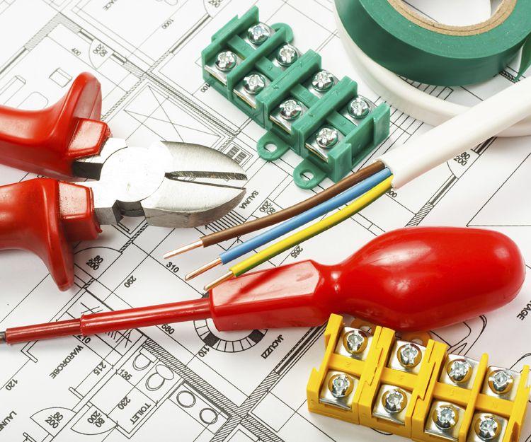 Instalaciones y montajes eléctricos en Granada