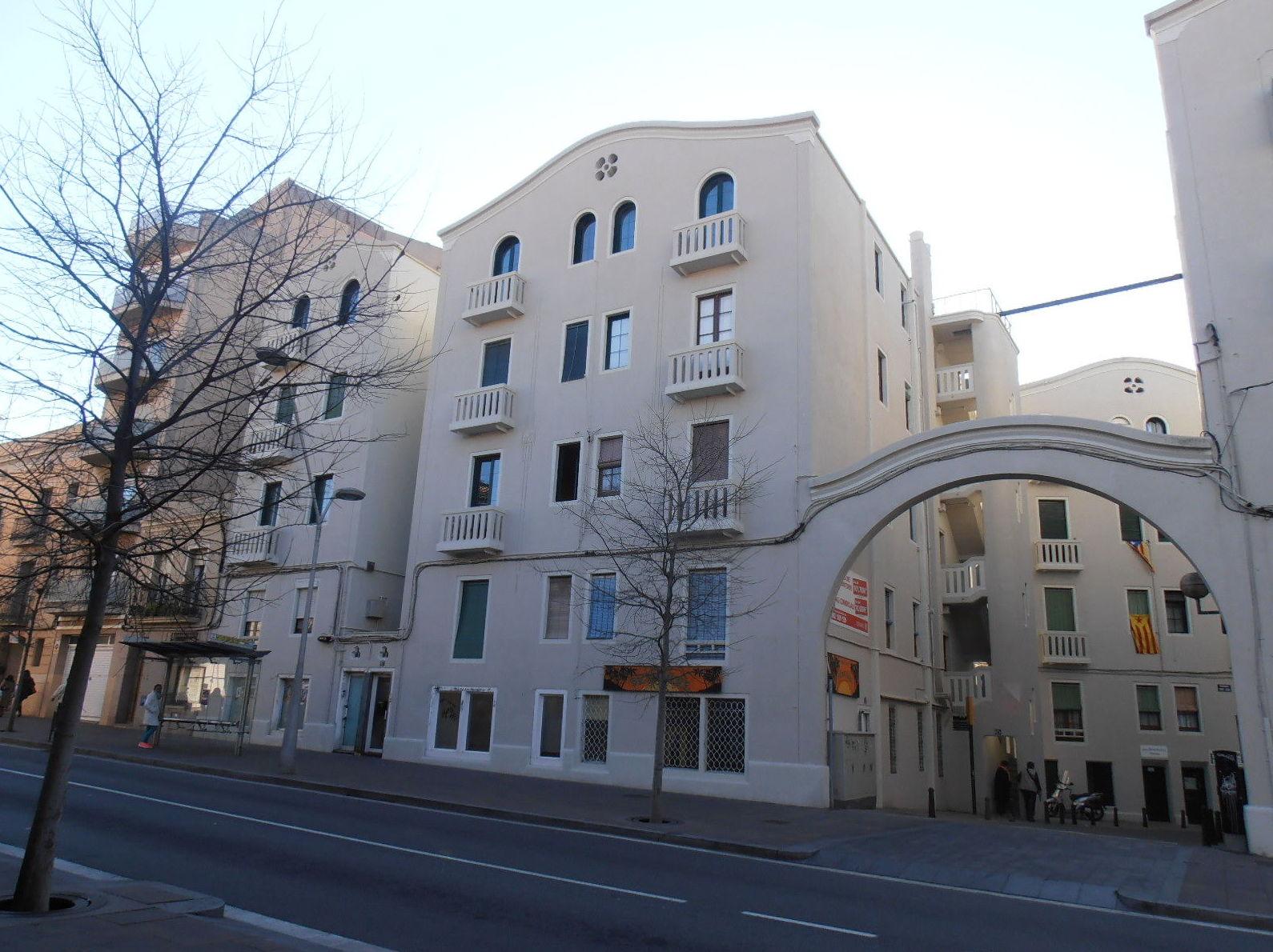 Foto 12 de conjunto arquitect nico de pisos en sant feliu for Busco piso en alquiler