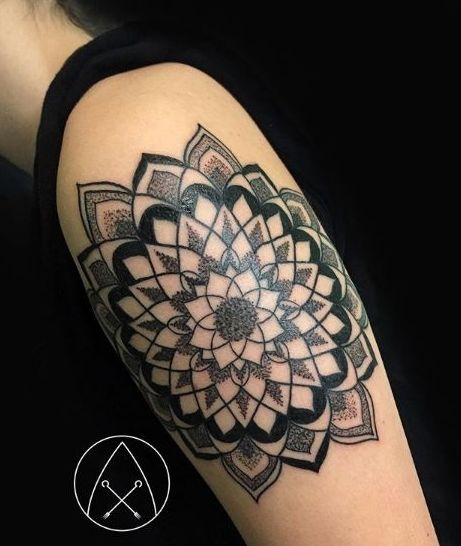Tatuaje geométrico Barcelona