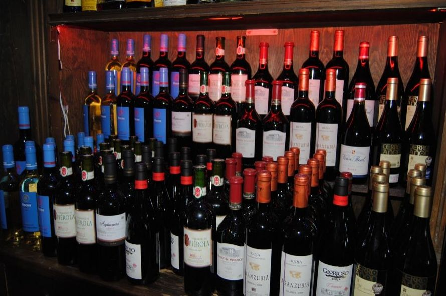 Amplia oferta de vinos