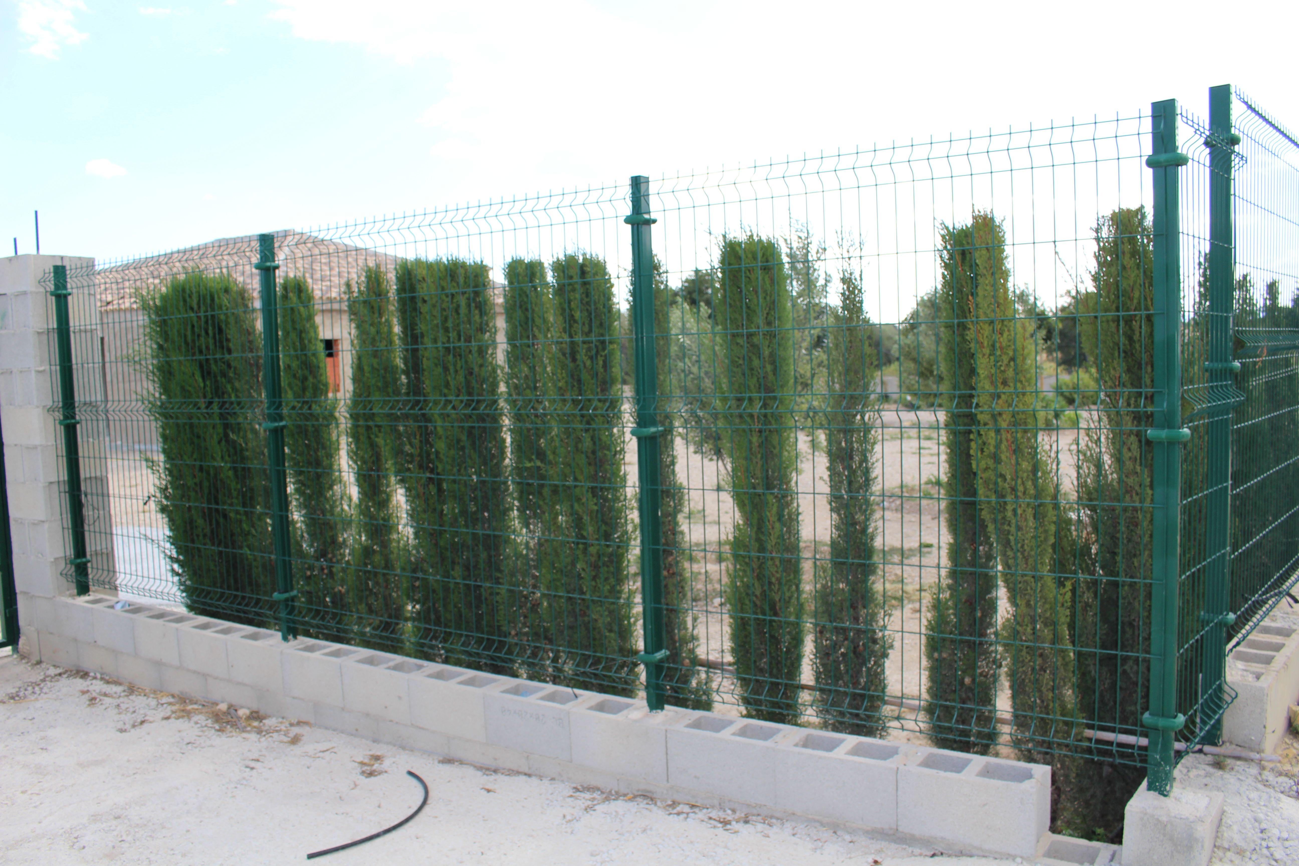 Instalación de vallas metálicas en Alicante