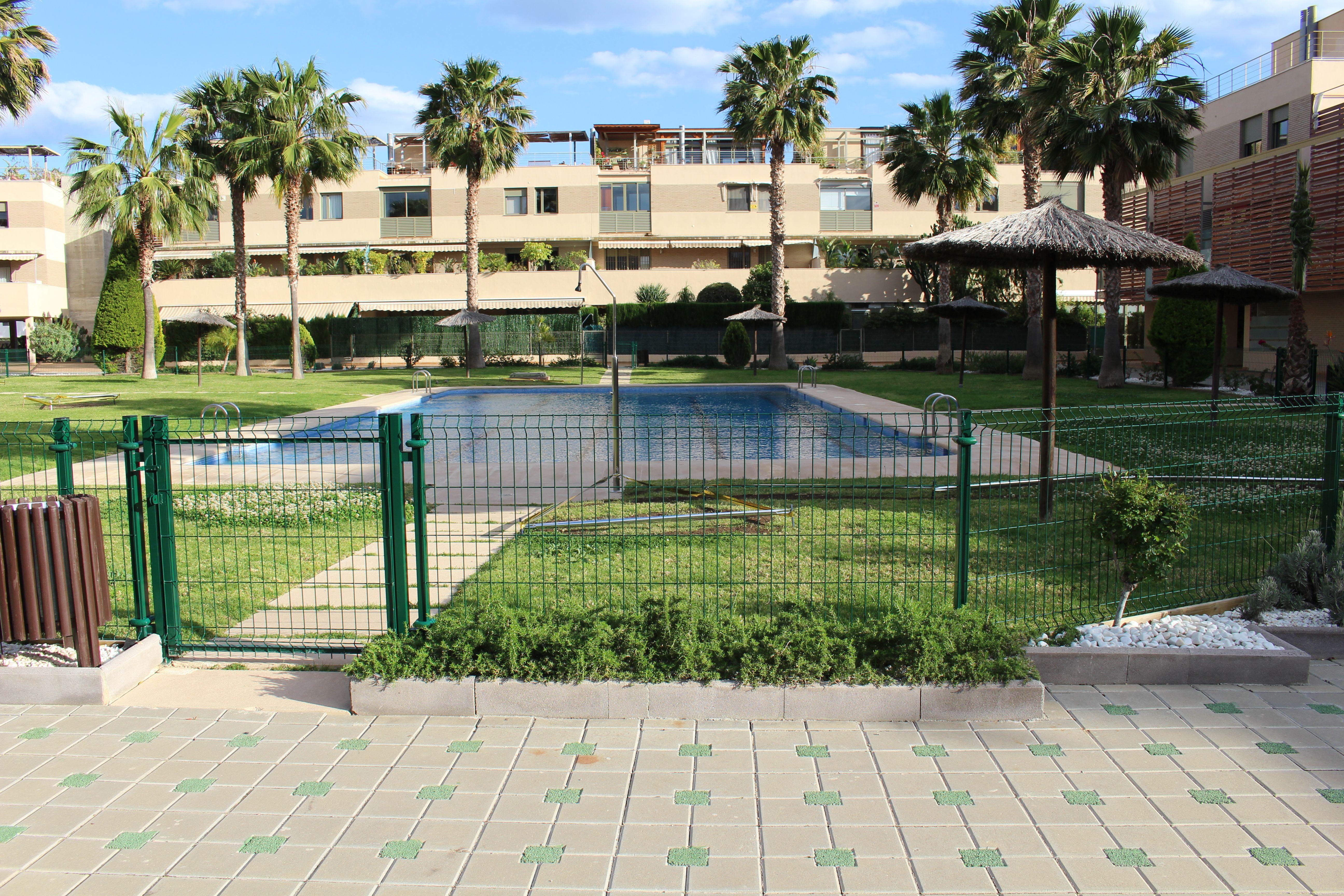Vallas metálicas para zonas comunes en Alicante