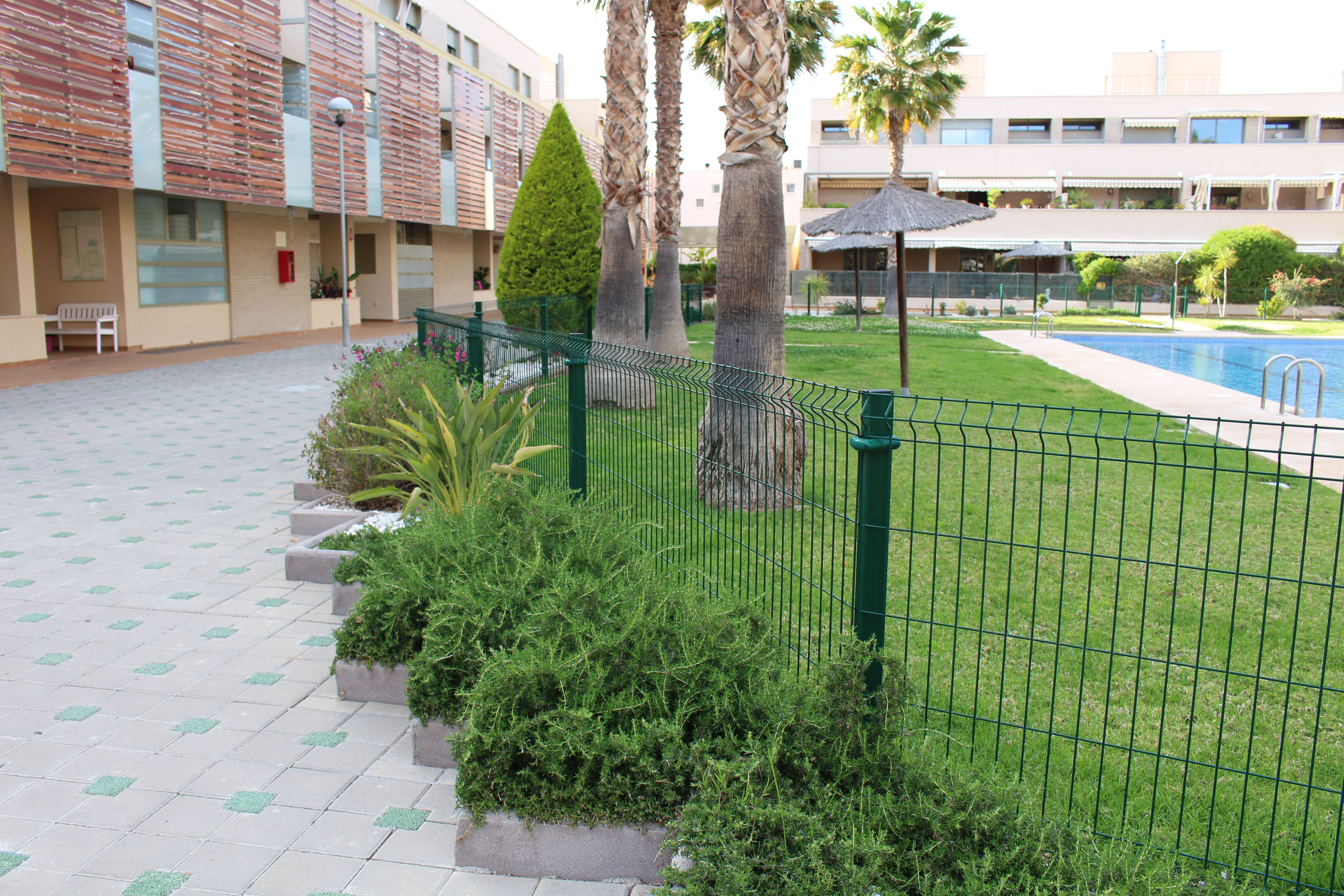 Vallas metálicas para comunidades de vecinos en Alicante