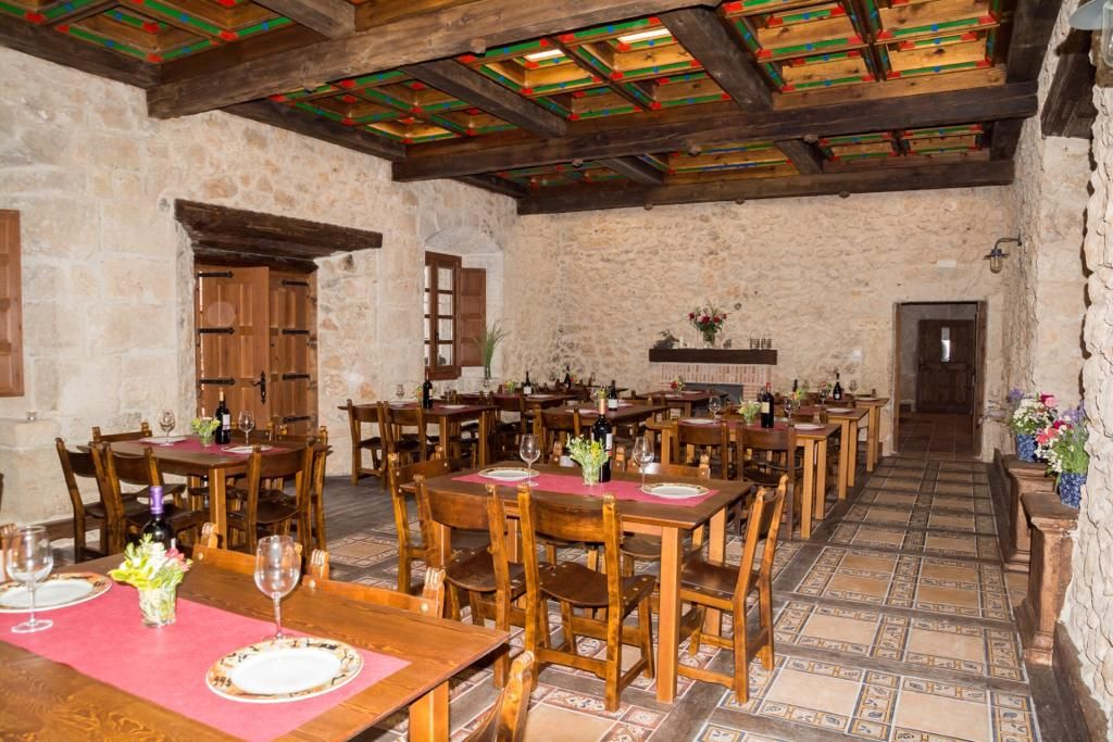 Restaurante zona río Lobo