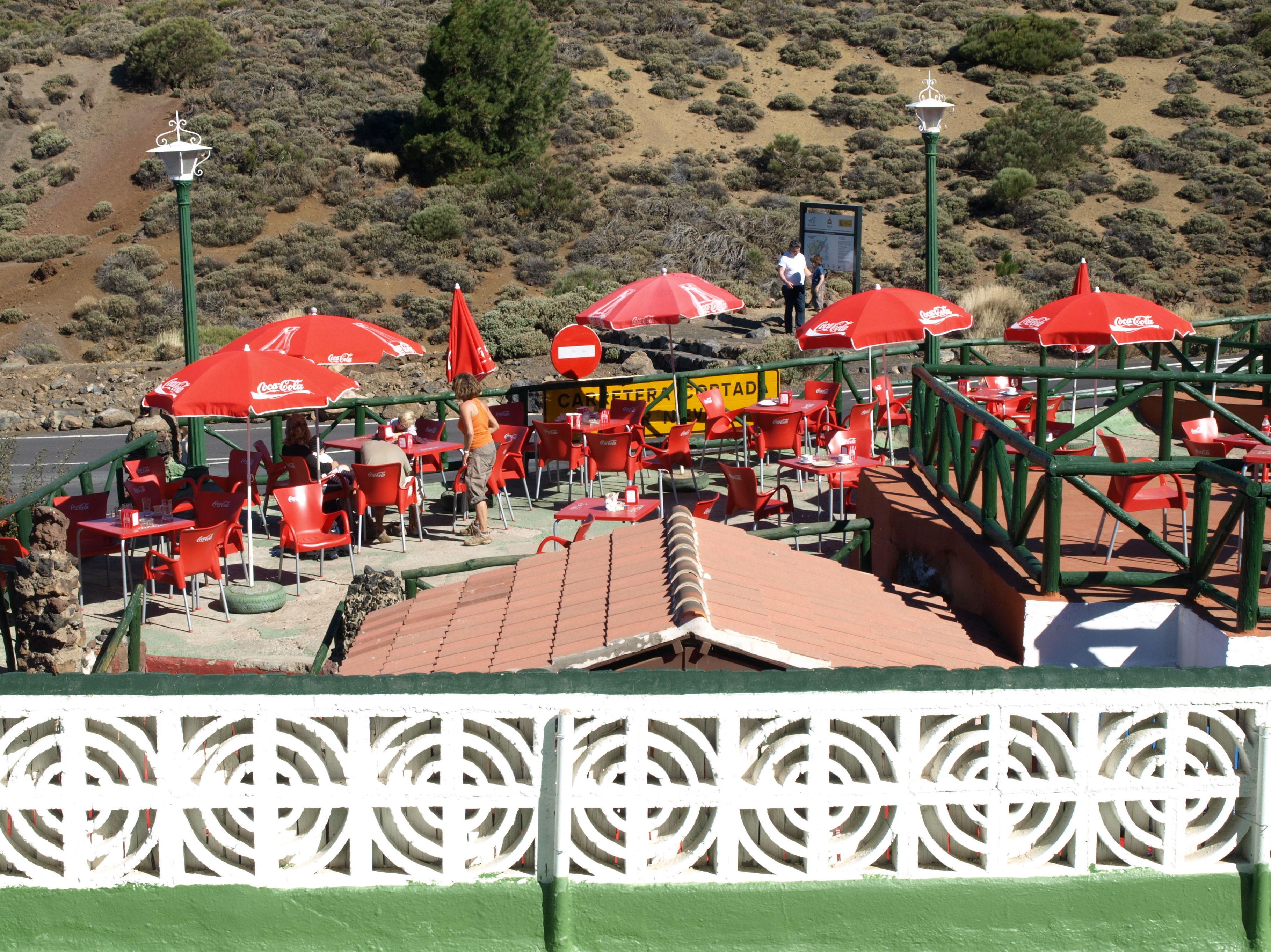 Terraza exterior del restaurante El Portillo