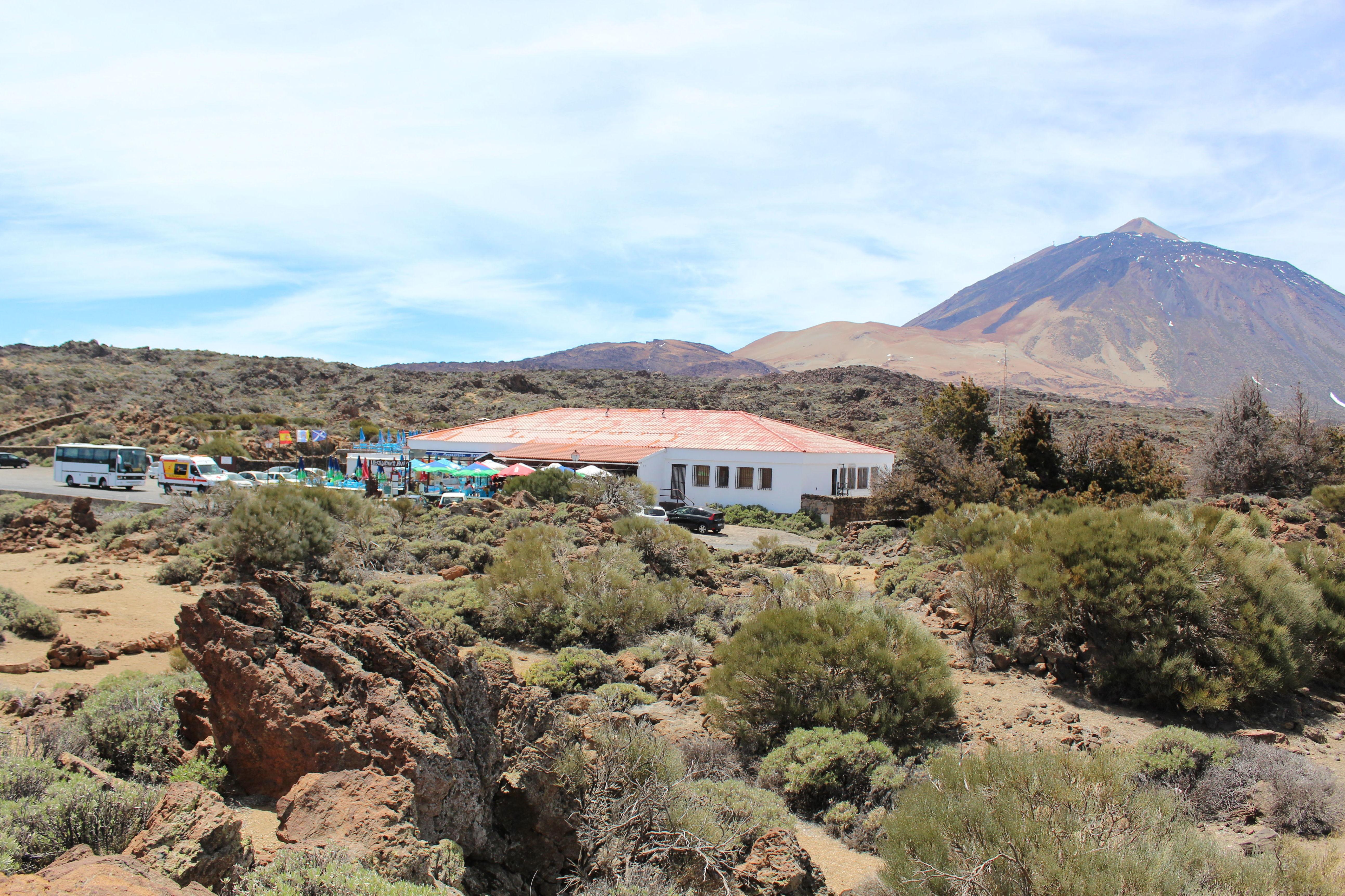 Restaurante Bamby con el Teide al fondo