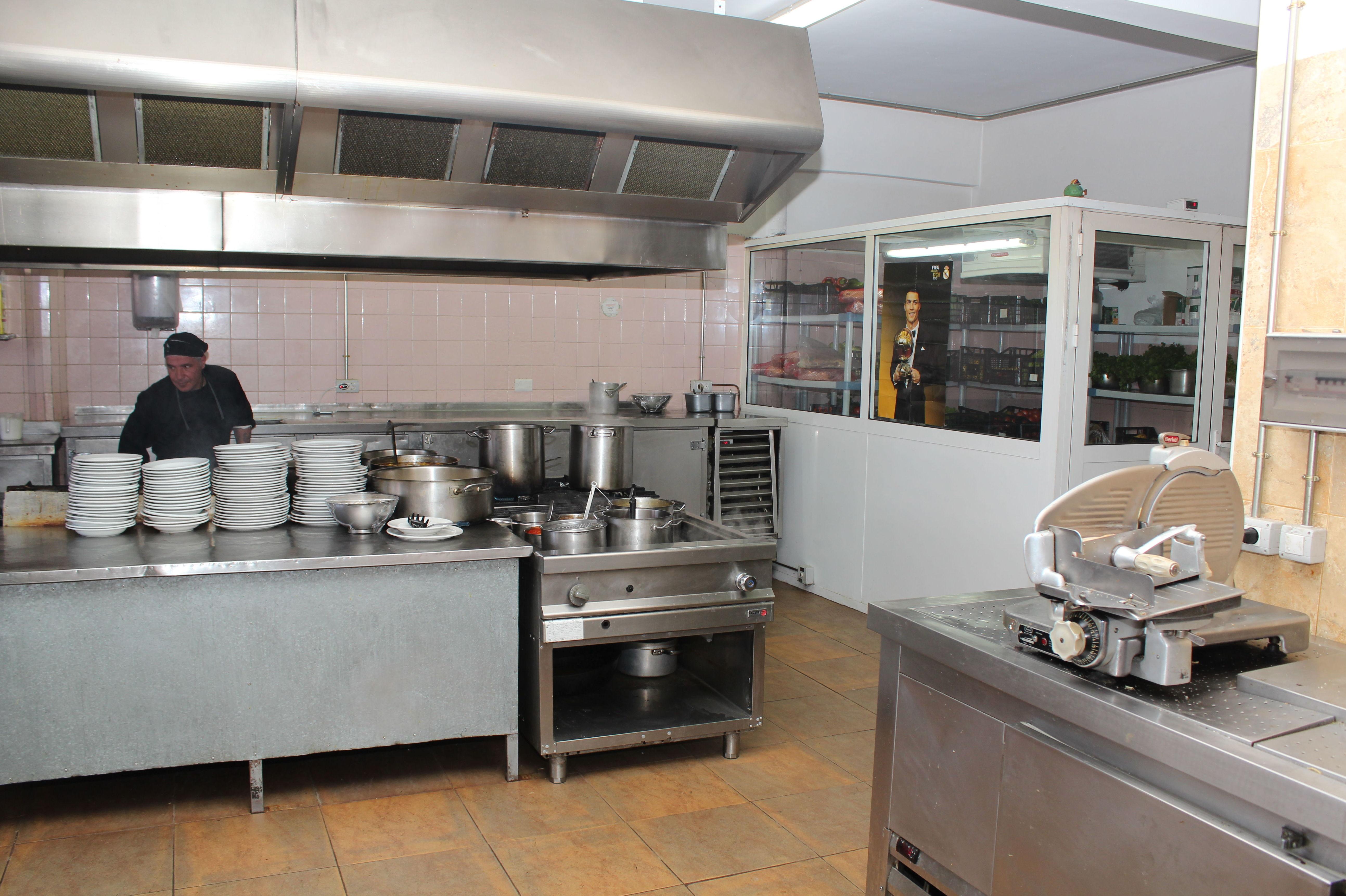 Cocina del restaurante típico canario Bamby
