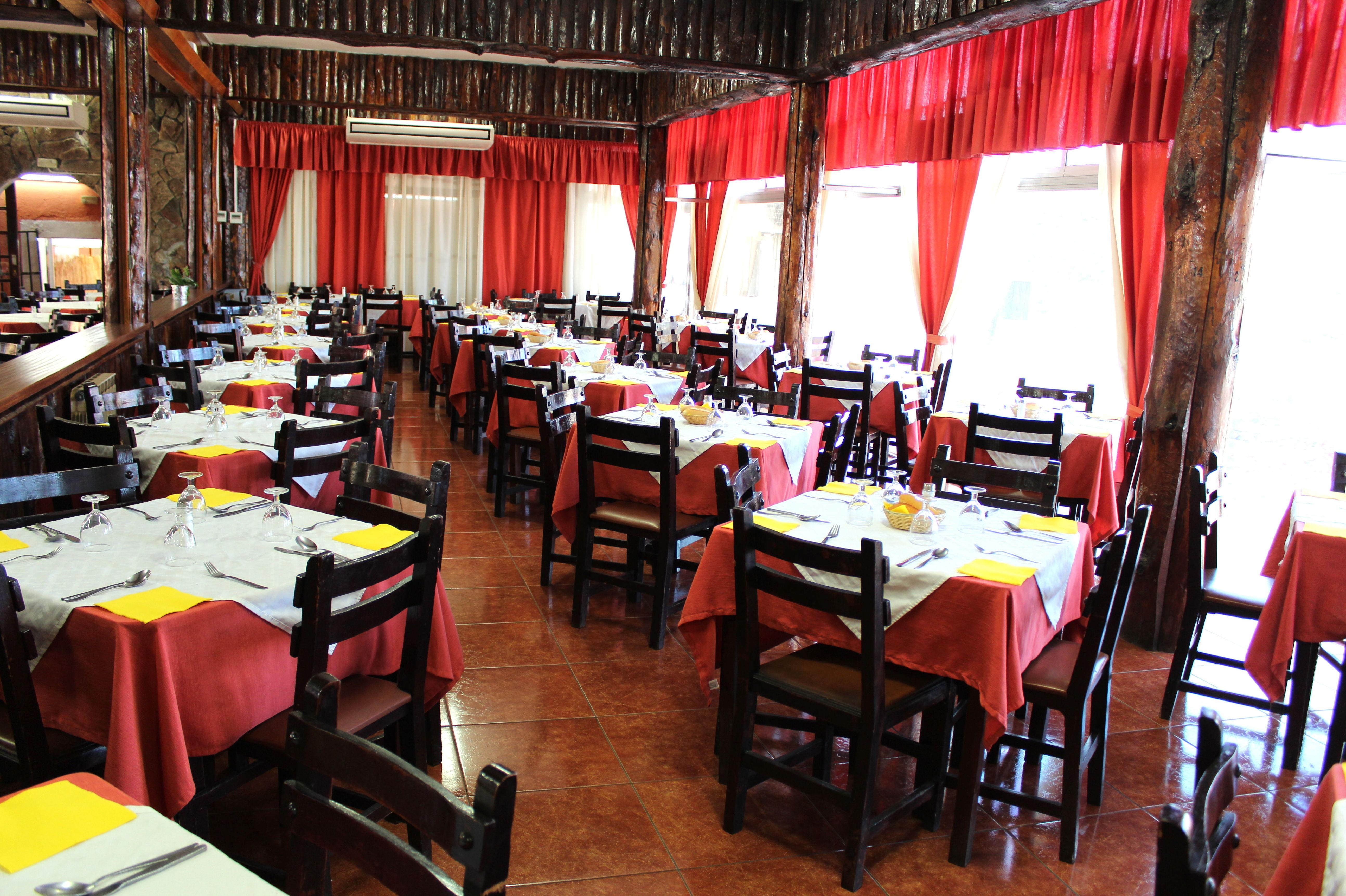 Amplio salón en nuestro restaurante