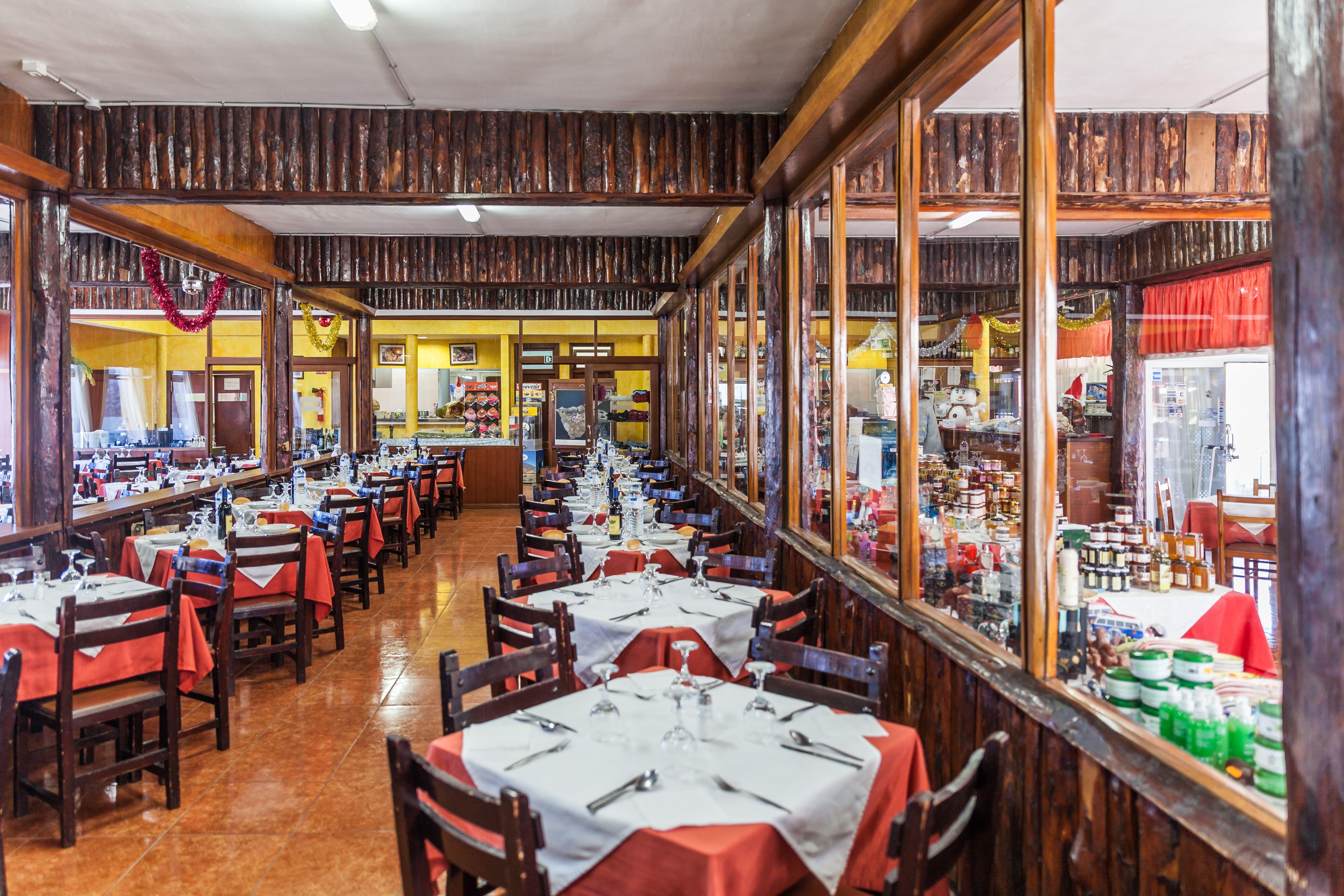 Foto 1 de Empresa de restauración ubicada en el Parque Nacional del Teide en La Orotava | Restaurantes El Portillo y La Bamby