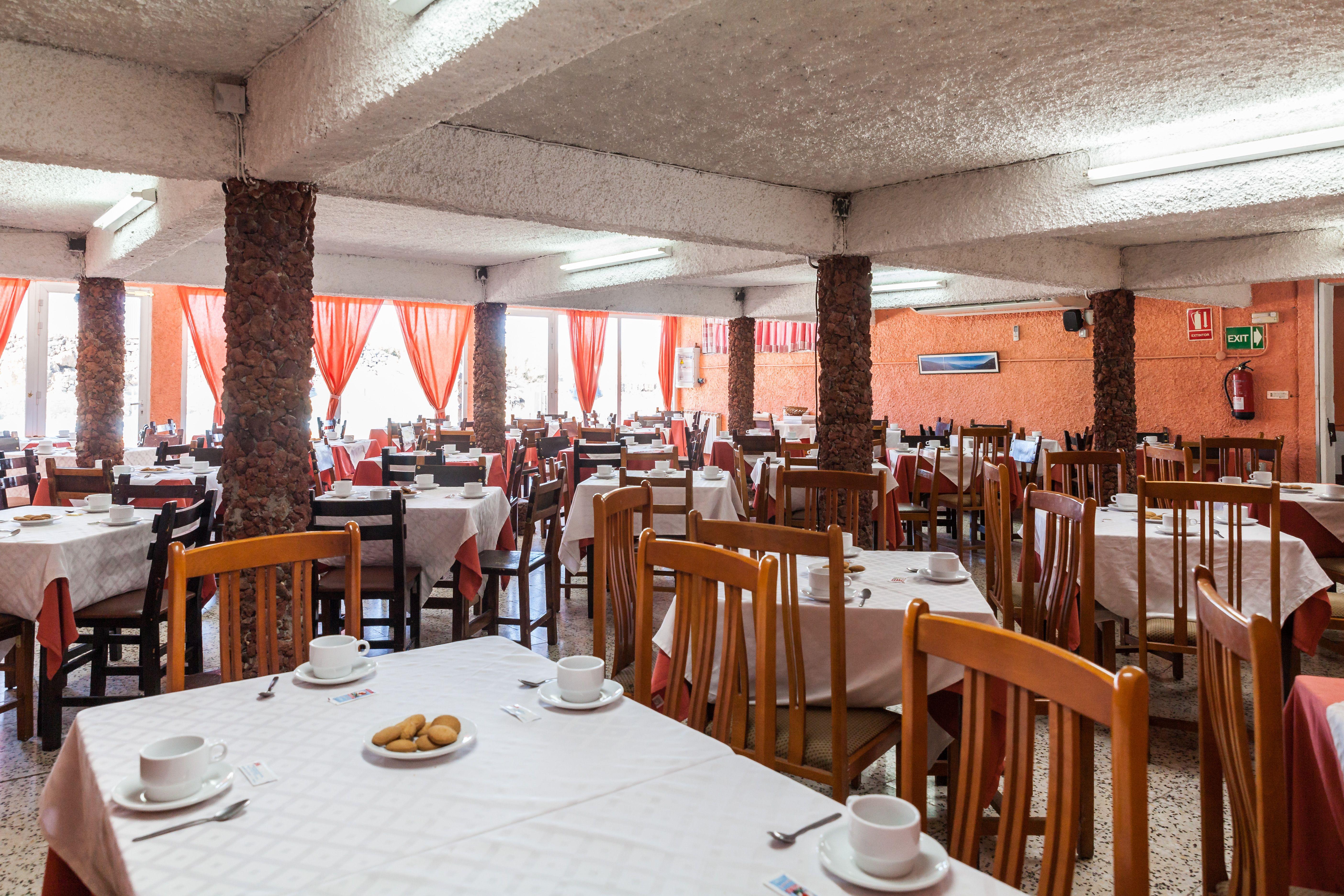 Foto 6 de Empresa de restauración ubicada en el Parque Nacional del Teide en La Orotava | Restaurantes El Portillo y La Bamby