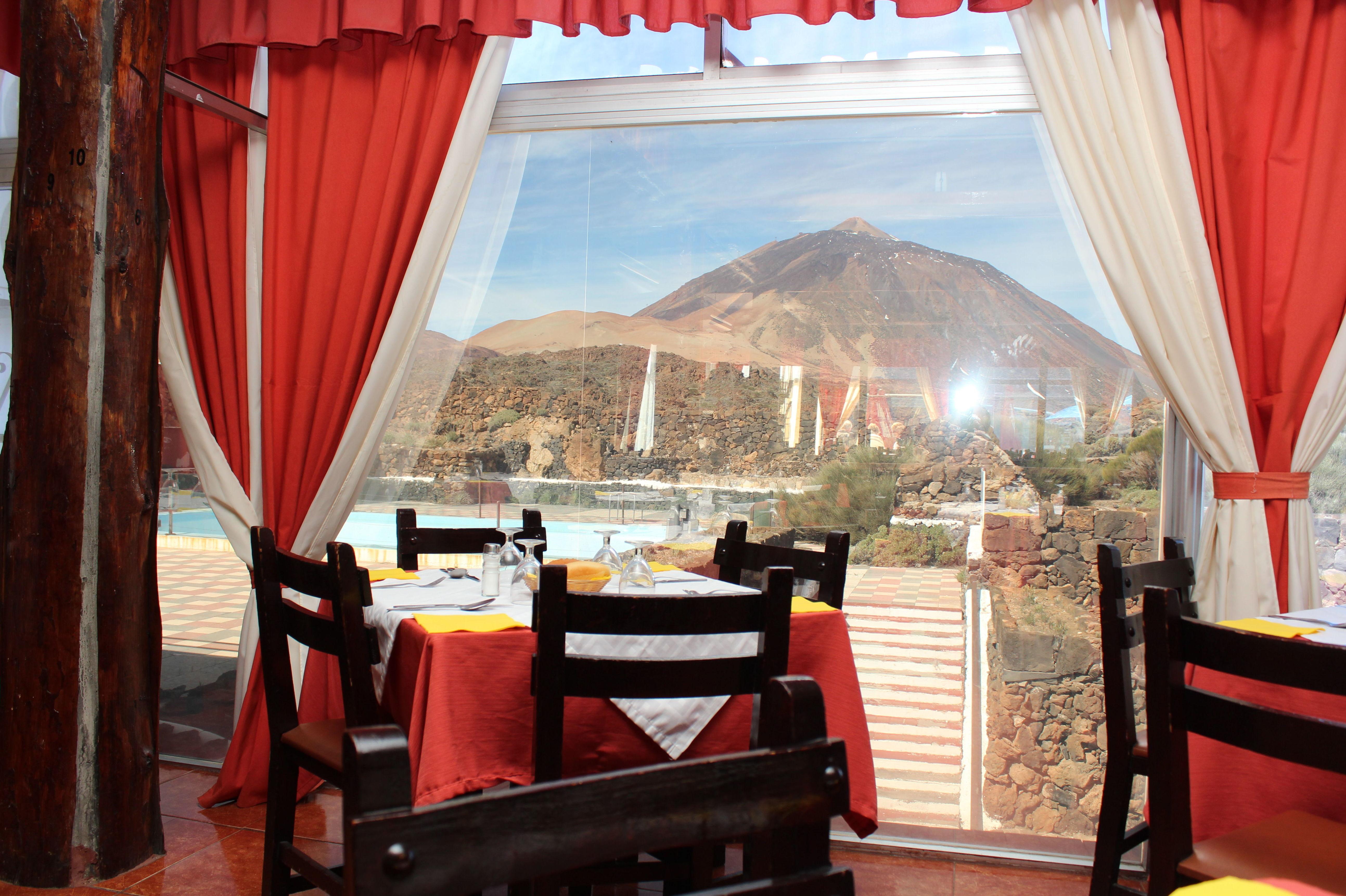 Restaurante con impresionantes vistas al Teide