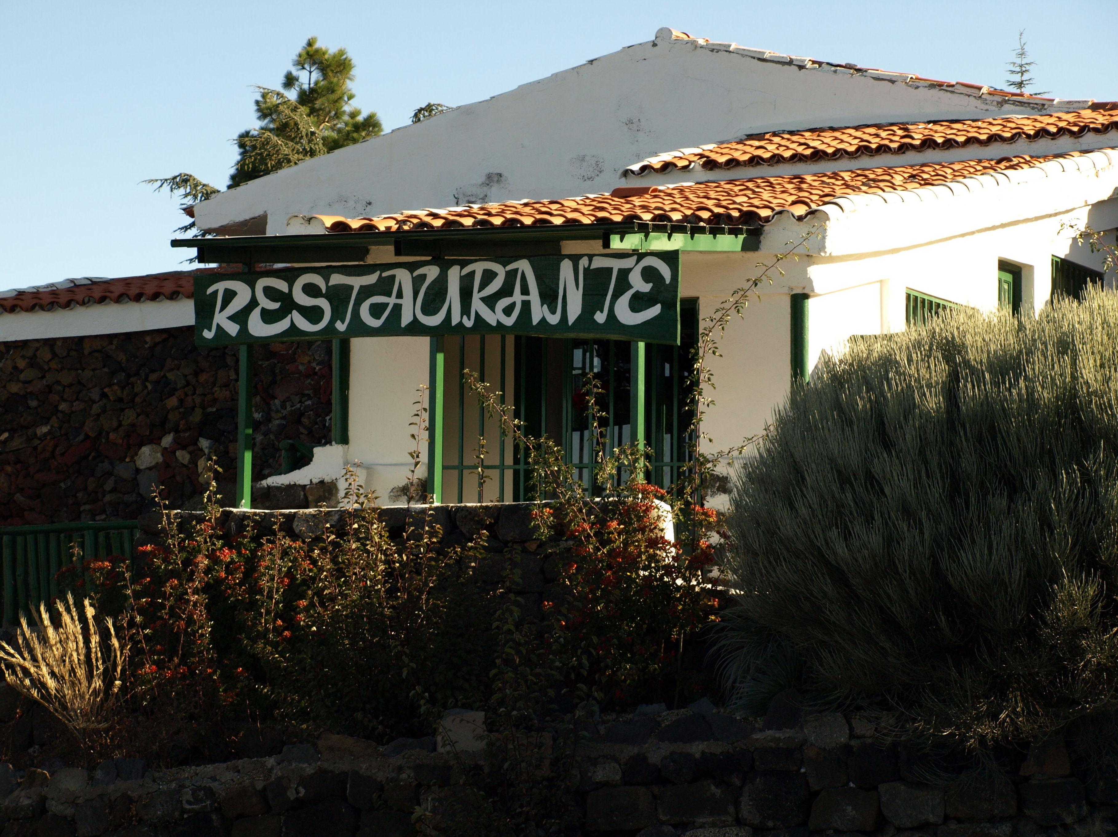 Fachada del restaurante El Portillo